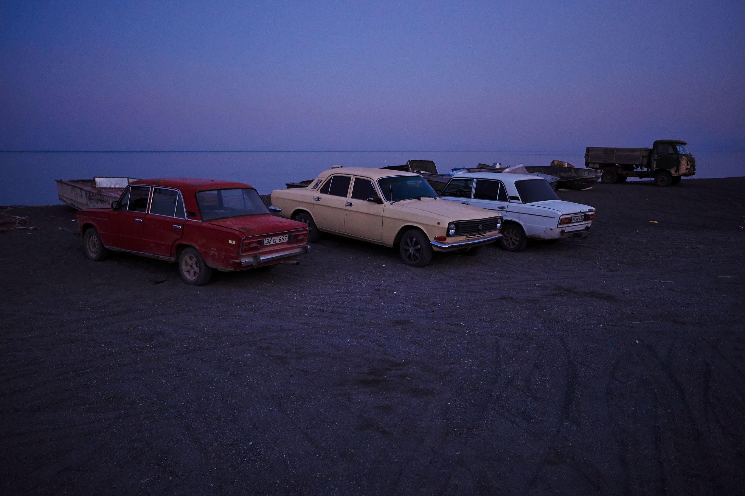 Armenia-Lake-Sevan-Soviet-cars-waiting-fishermen.JPG