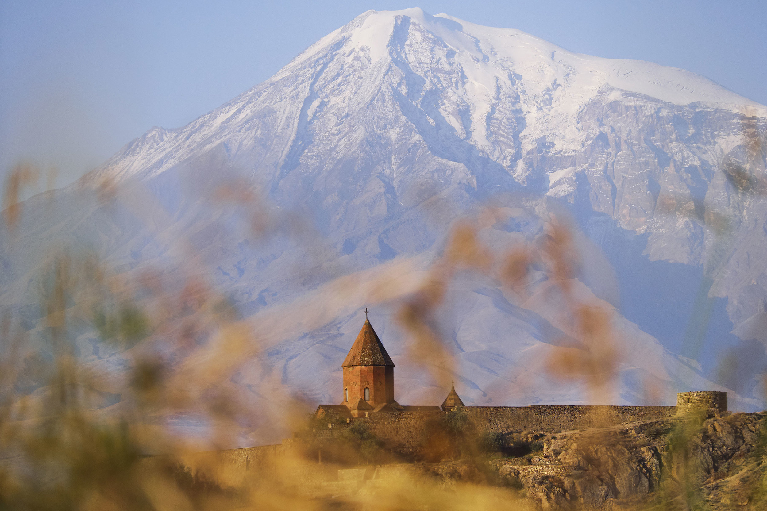 Khor-Virap-and-Mount-Ararat-in-the-back