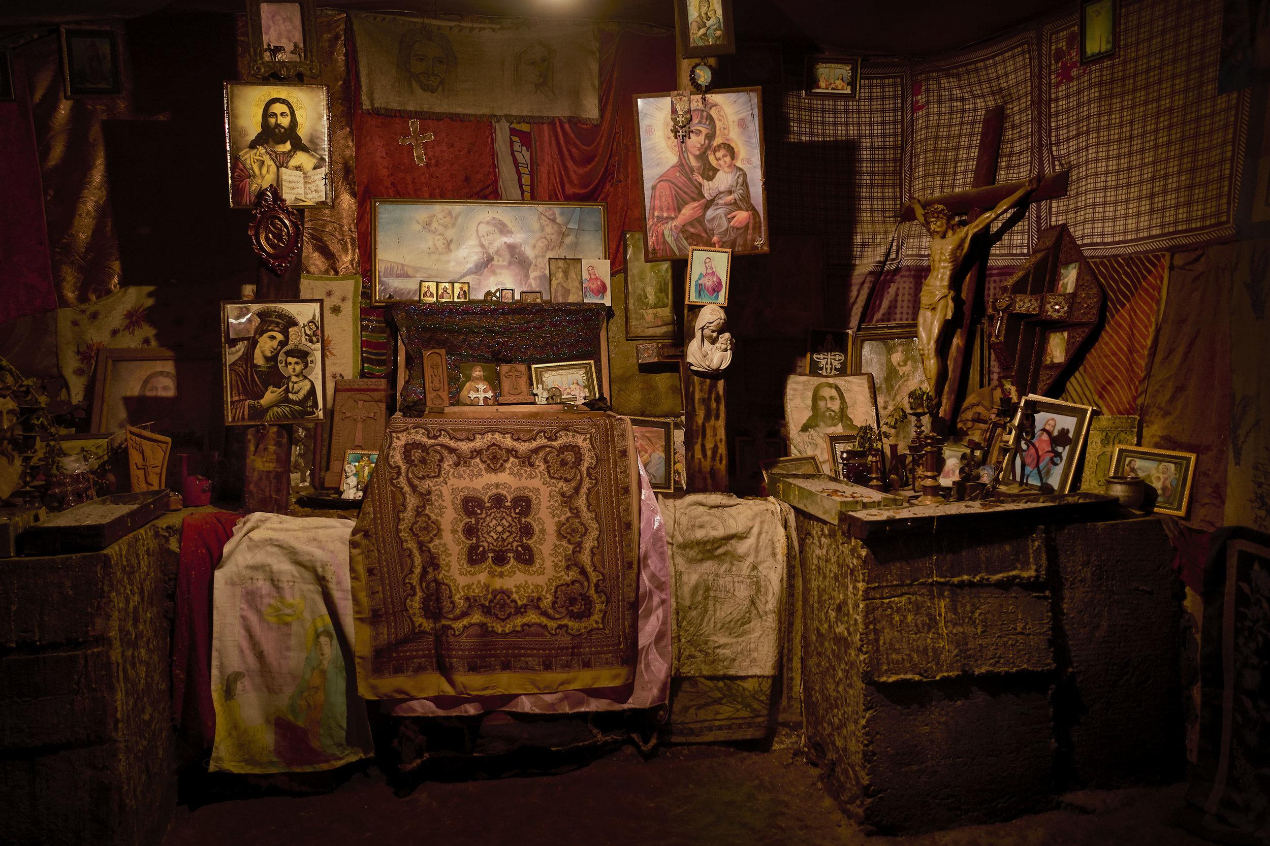Armenia-shrine-inside-house
