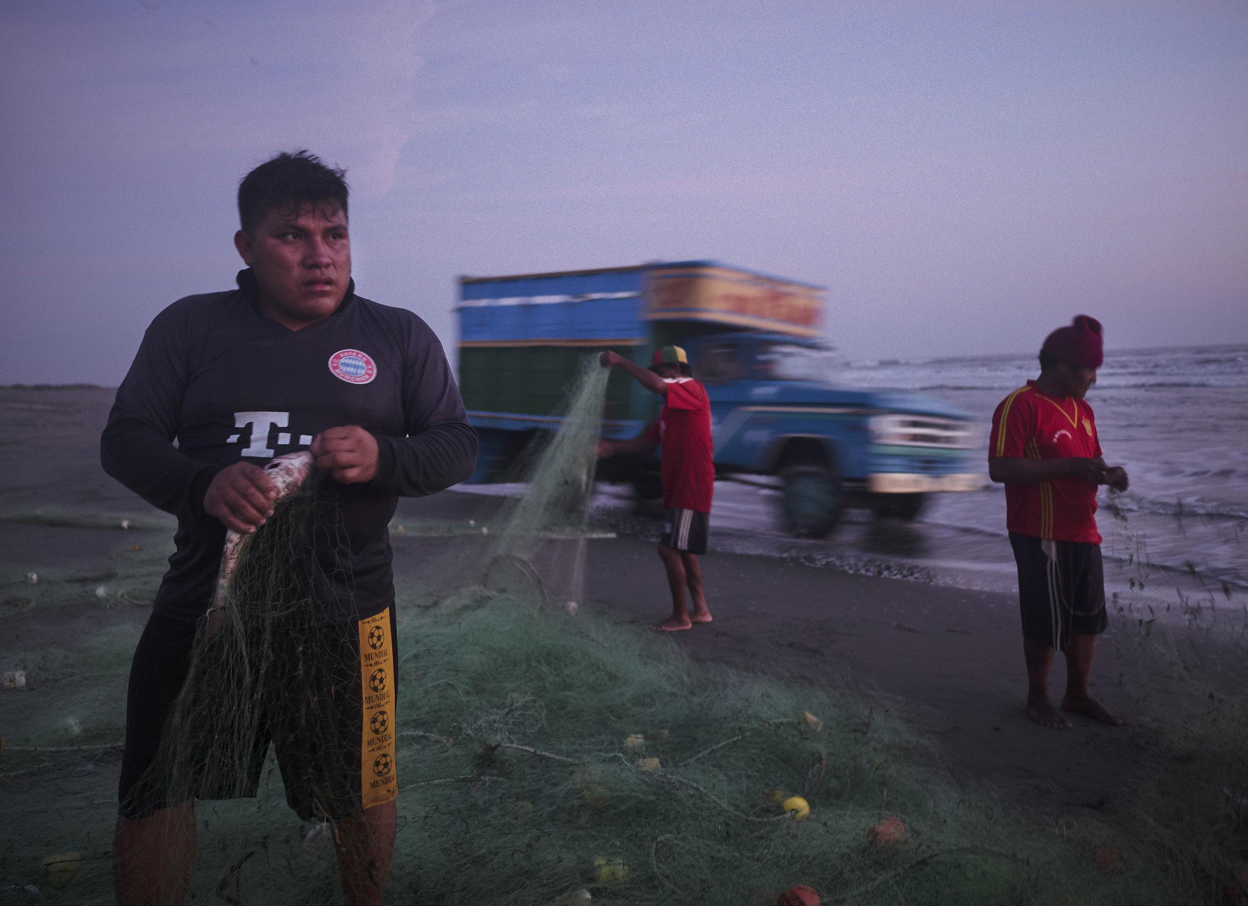 Fishermen in north Peru