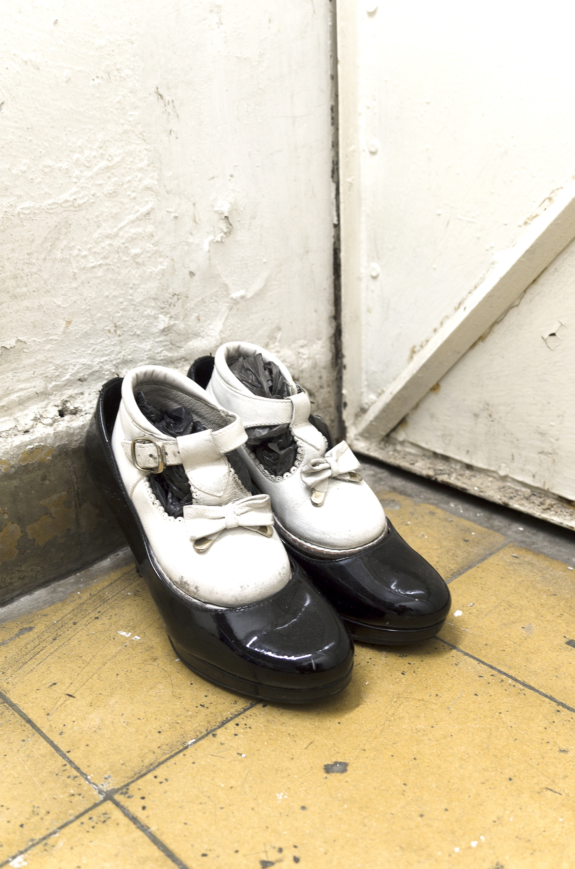 Valle Escondido, 2005, Shoes, 23 x 15 x 15cm