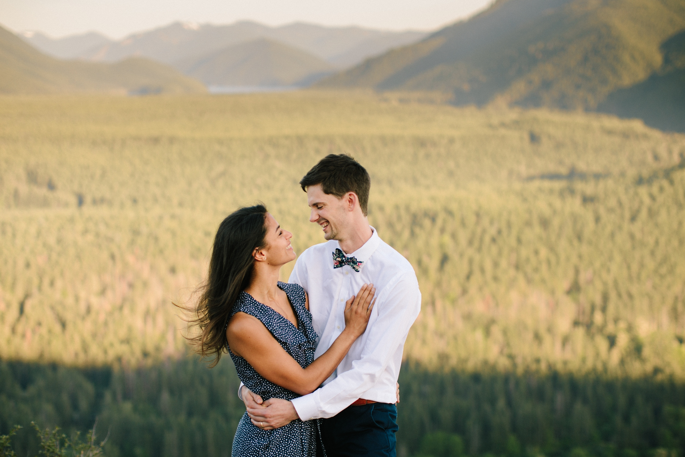 adventure-mountain-top-elopement-photographer-pnw-seattle-washington-wedding-engagement-hike-photography-catie-bergman_0006.jpg
