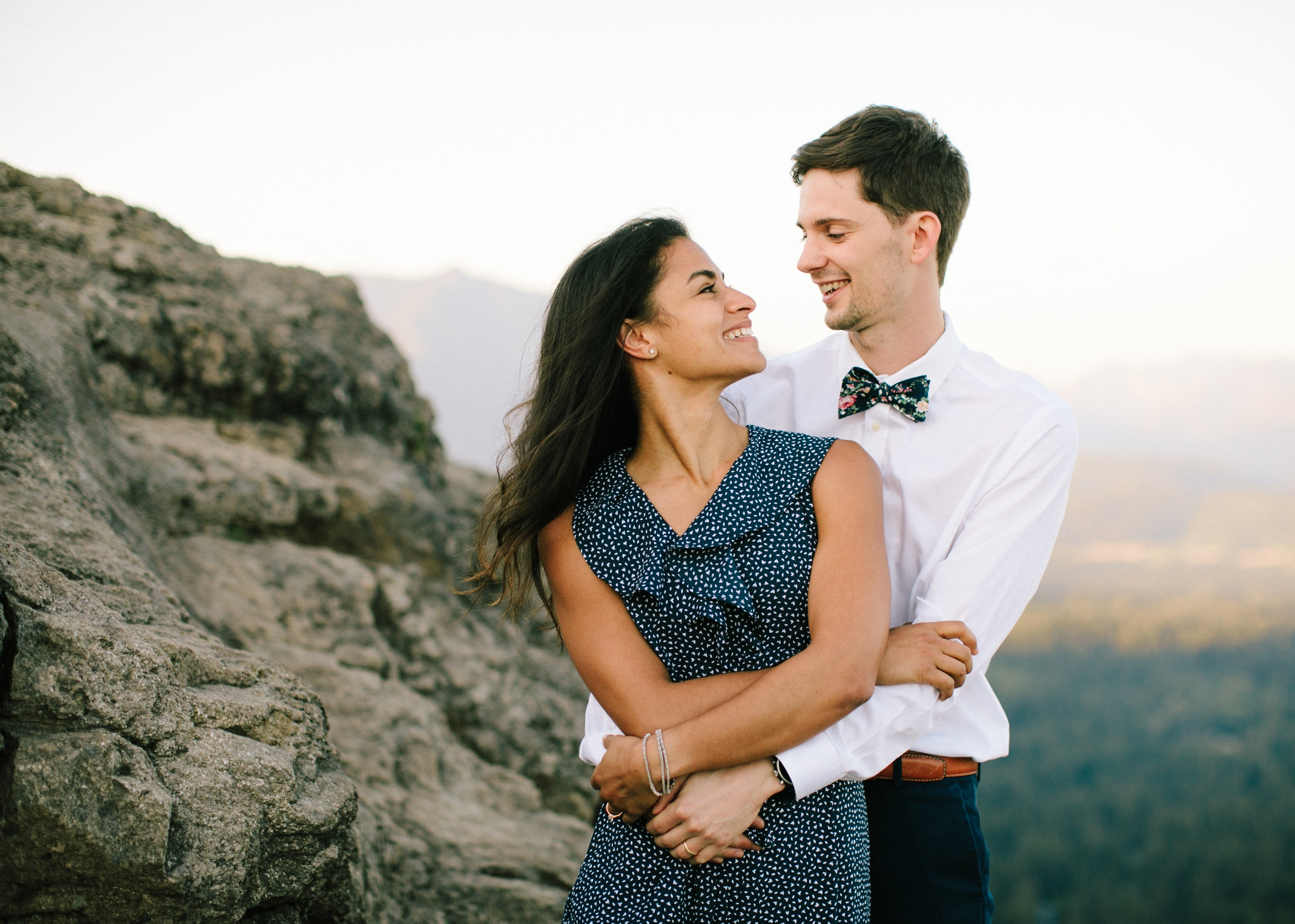 adventure-mountain-top-elopement-photographer-pnw-seattle-washington-wedding-engagement-hike-photography-catie-bergman_0011.jpg