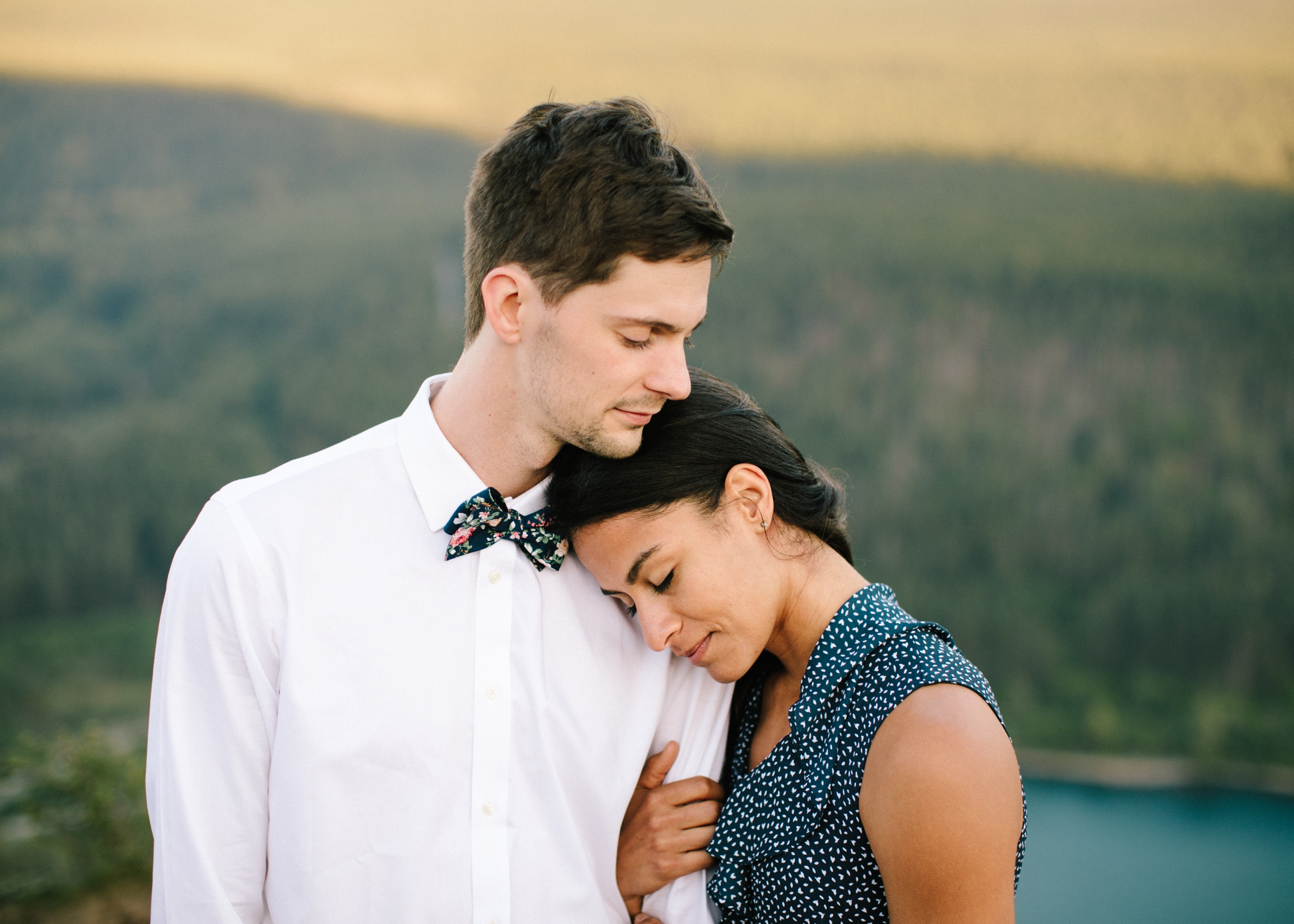 adventure-mountain-top-elopement-photographer-pnw-seattle-washington-wedding-engagement-hike-photography-catie-bergman_0014.jpg