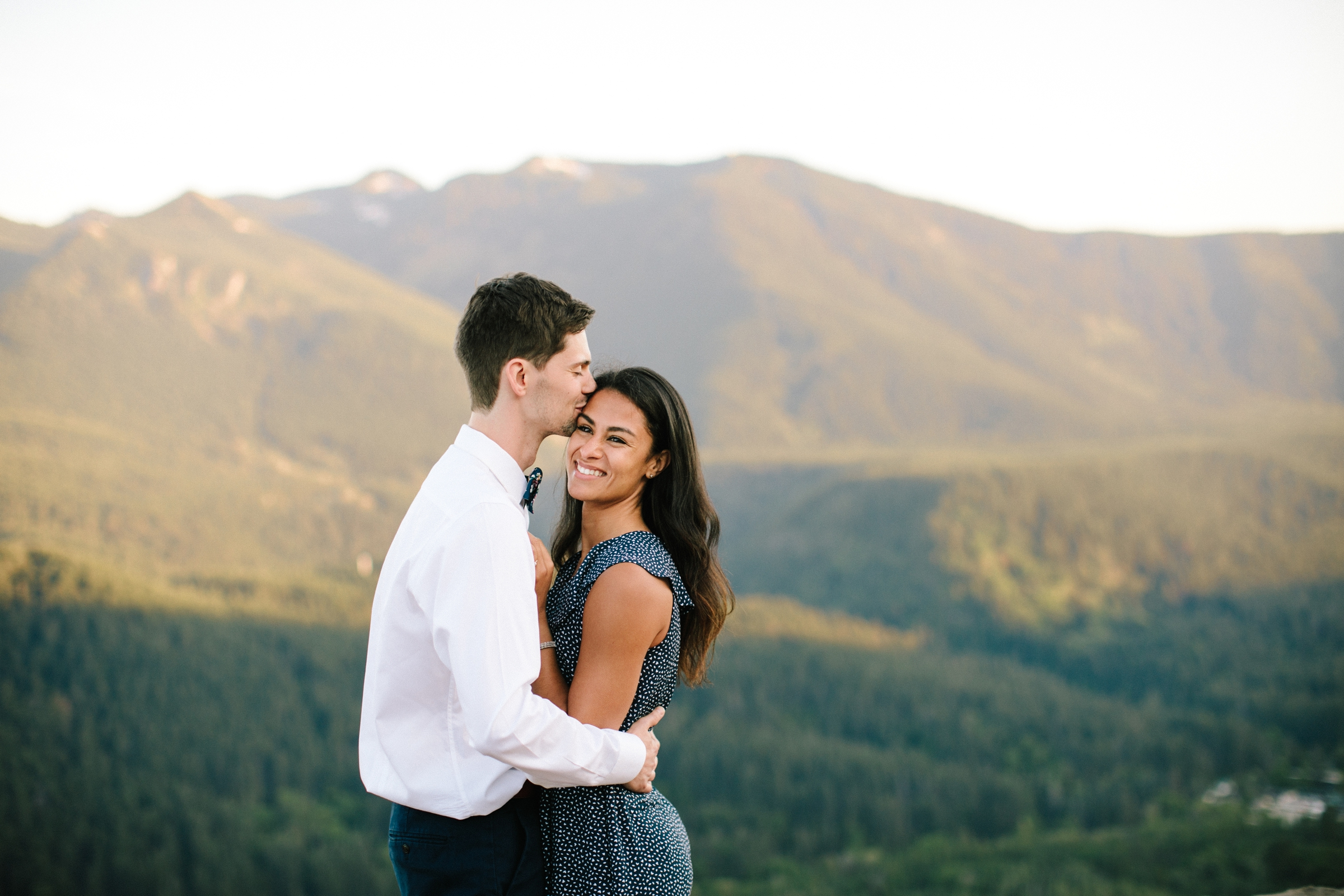 adventure-mountain-top-elopement-photographer-pnw-seattle-washington-wedding-engagement-hike-photography-catie-bergman_0021.jpg