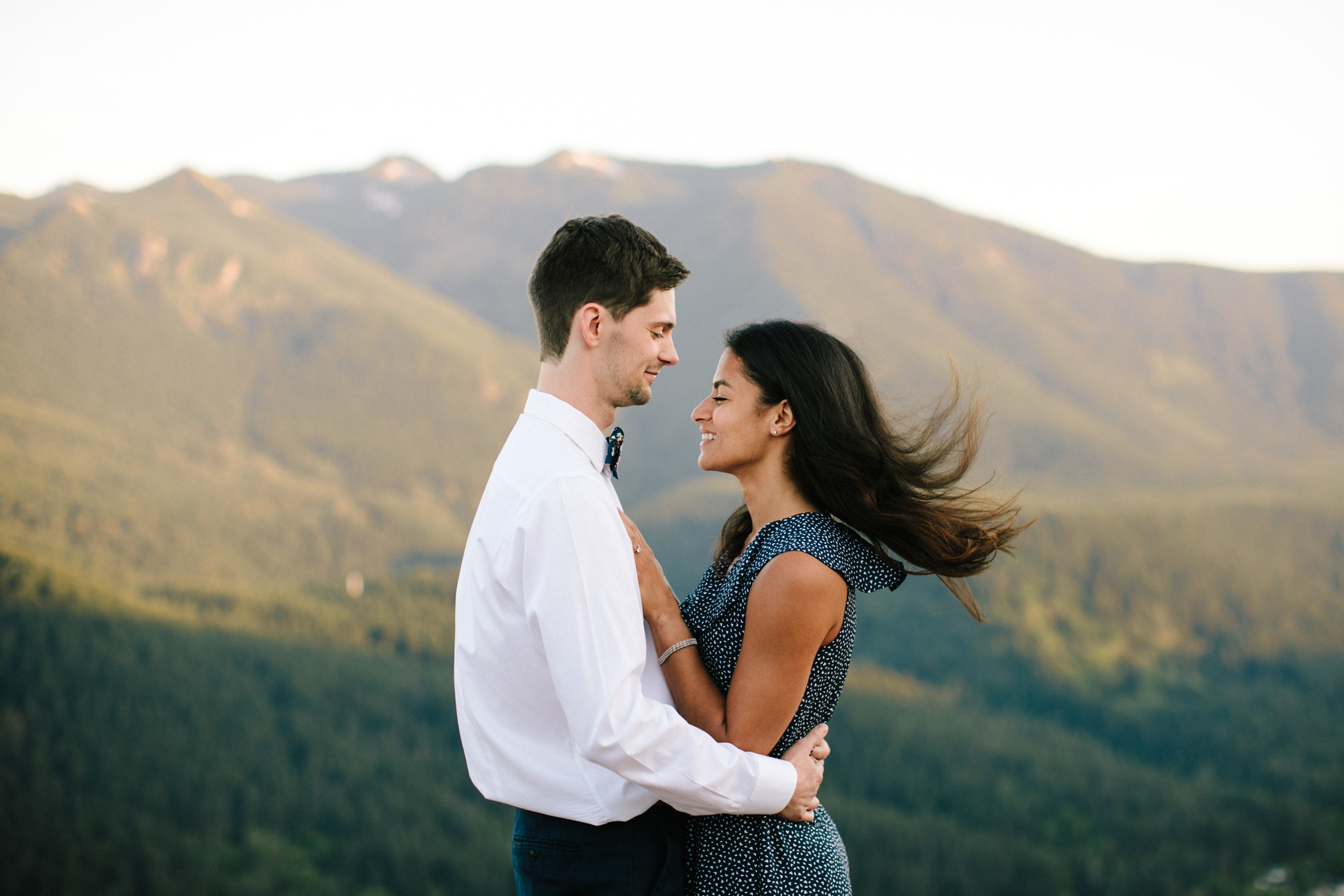adventure-mountain-top-elopement-photographer-pnw-seattle-washington-wedding-engagement-hike-photography-catie-bergman_0022.jpg