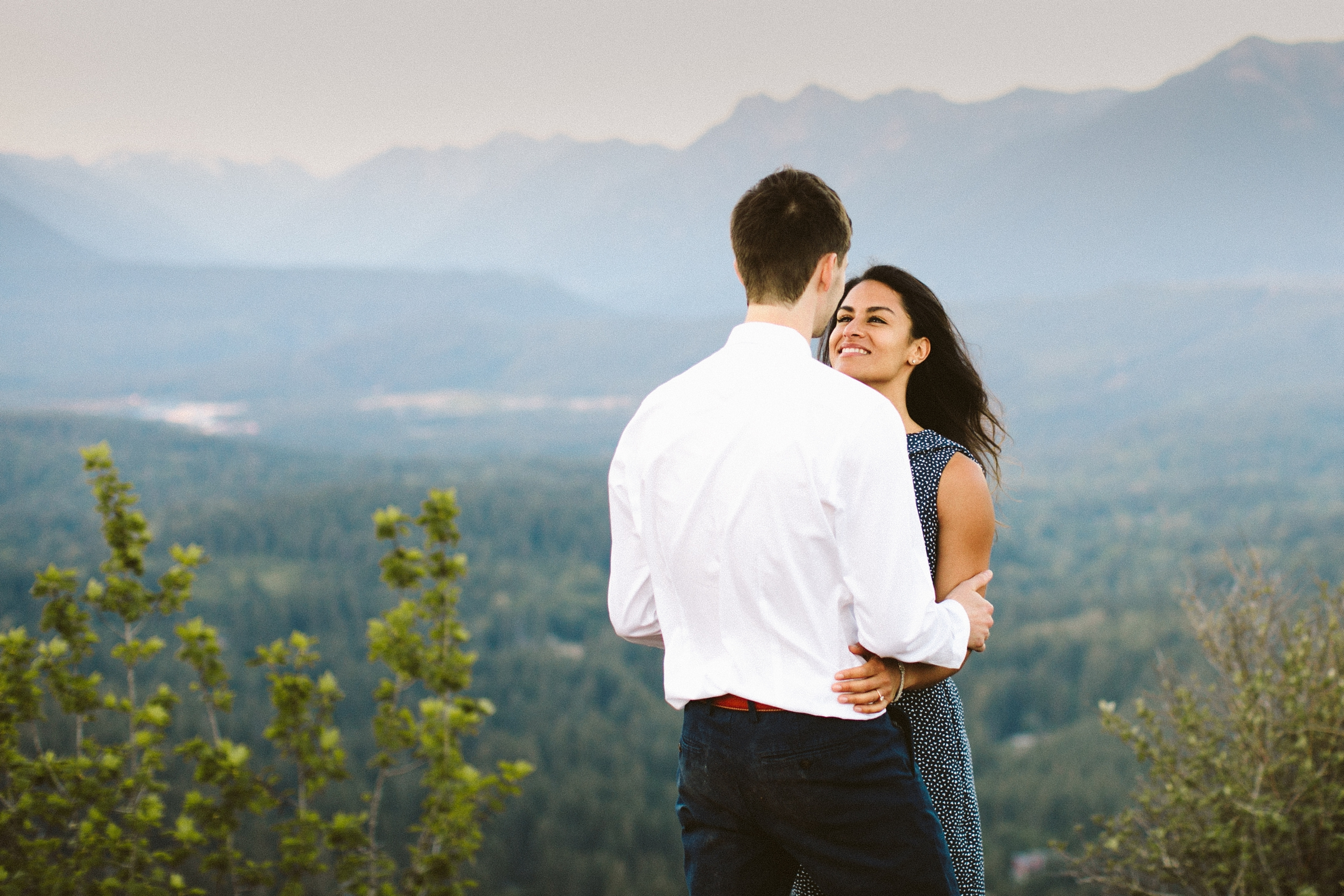 adventure-mountain-top-elopement-photographer-pnw-seattle-washington-wedding-engagement-hike-photography-catie-bergman_0034.jpg