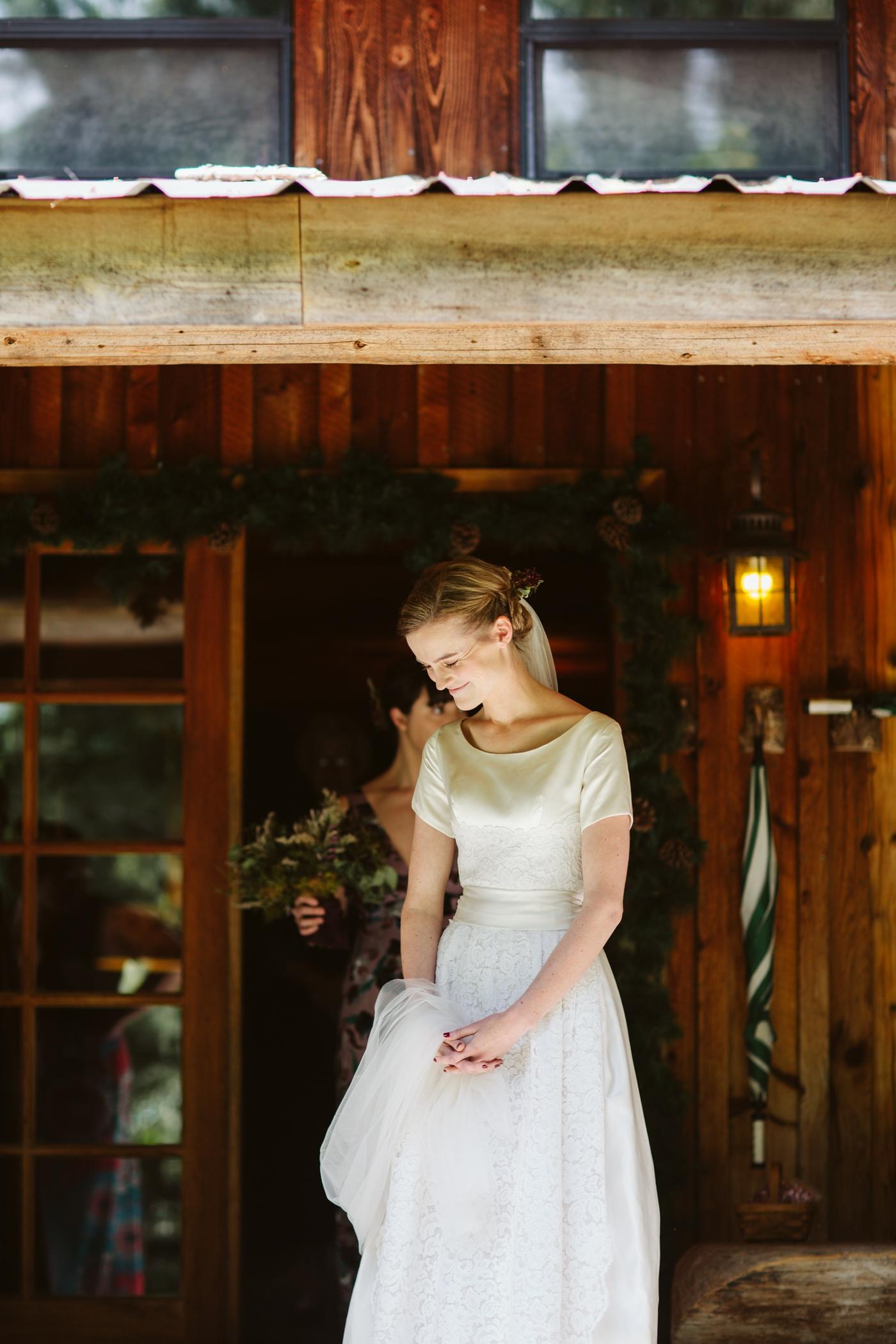 forest-adventure-mountain-top-elopement-photographer-pnw-seattle-washington-wedding-engagement-hike-photography-alaska-anchorage-dutch-harbor-northcascades-mtrainier-pnw-catie-bergman-pacific-northwest-_0128.jpg