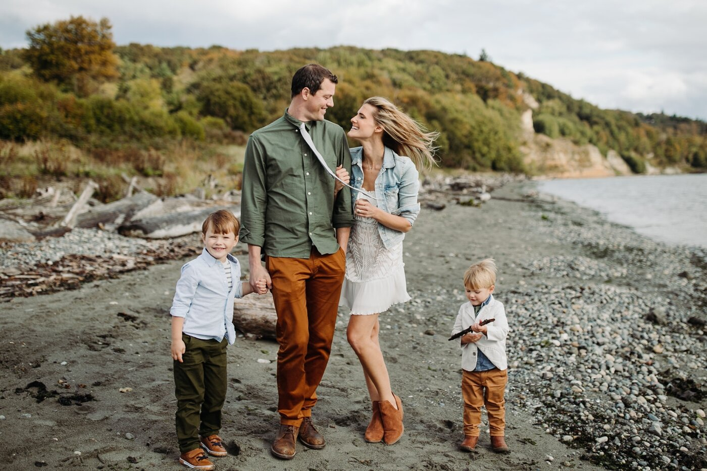 seattle-family-lifestyle-fall-photographer-discovery-park_0219.jpg