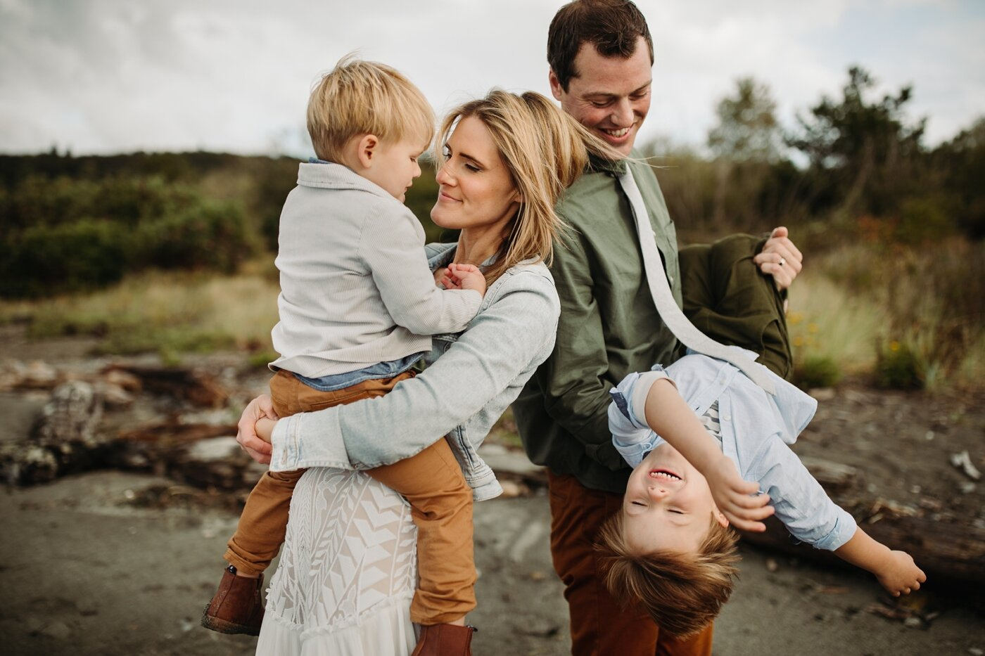 seattle-family-lifestyle-fall-photographer-discovery-park_0236.jpg