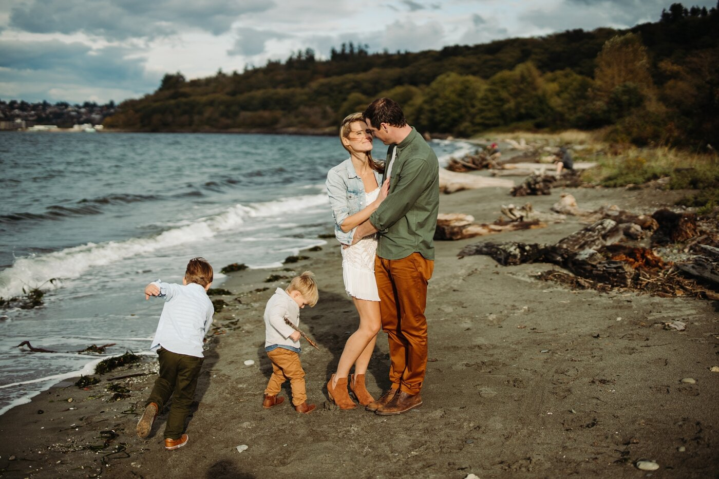 seattle-family-lifestyle-fall-photographer-discovery-park_0235.jpg