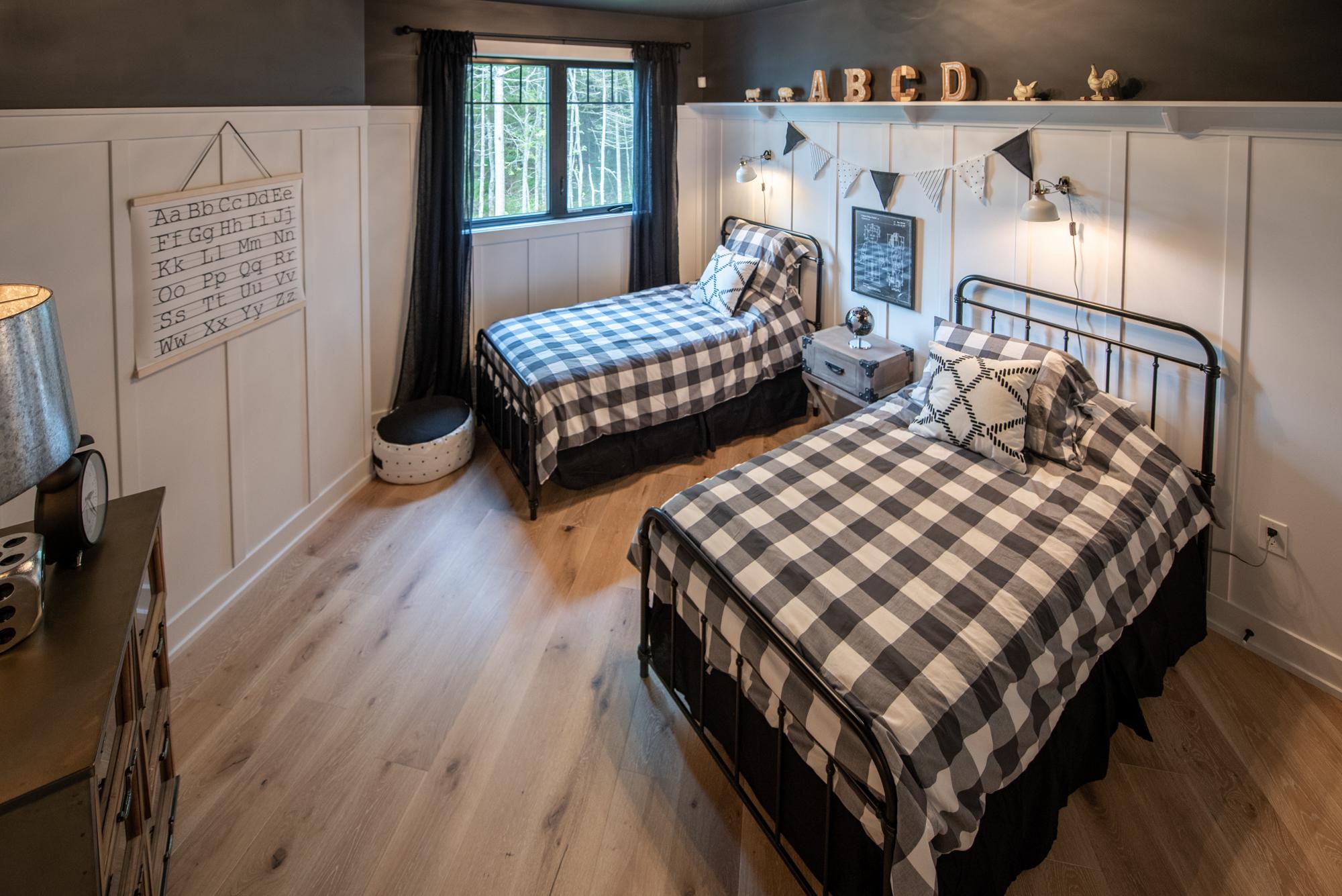 Kids BedroomDAC_7065-HDR_.jpg
