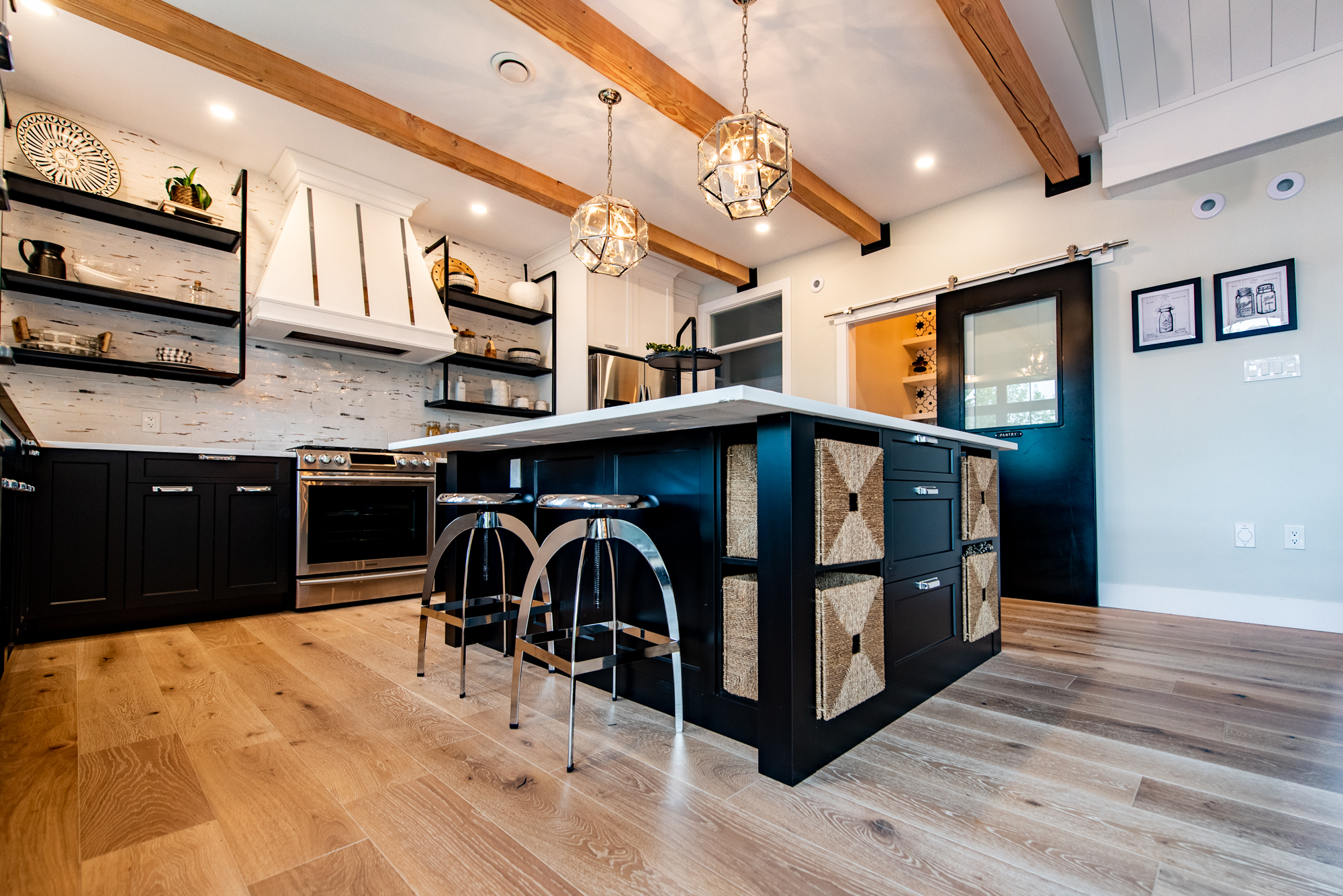 Kitchen diningDAC_7035-HDR_.jpg