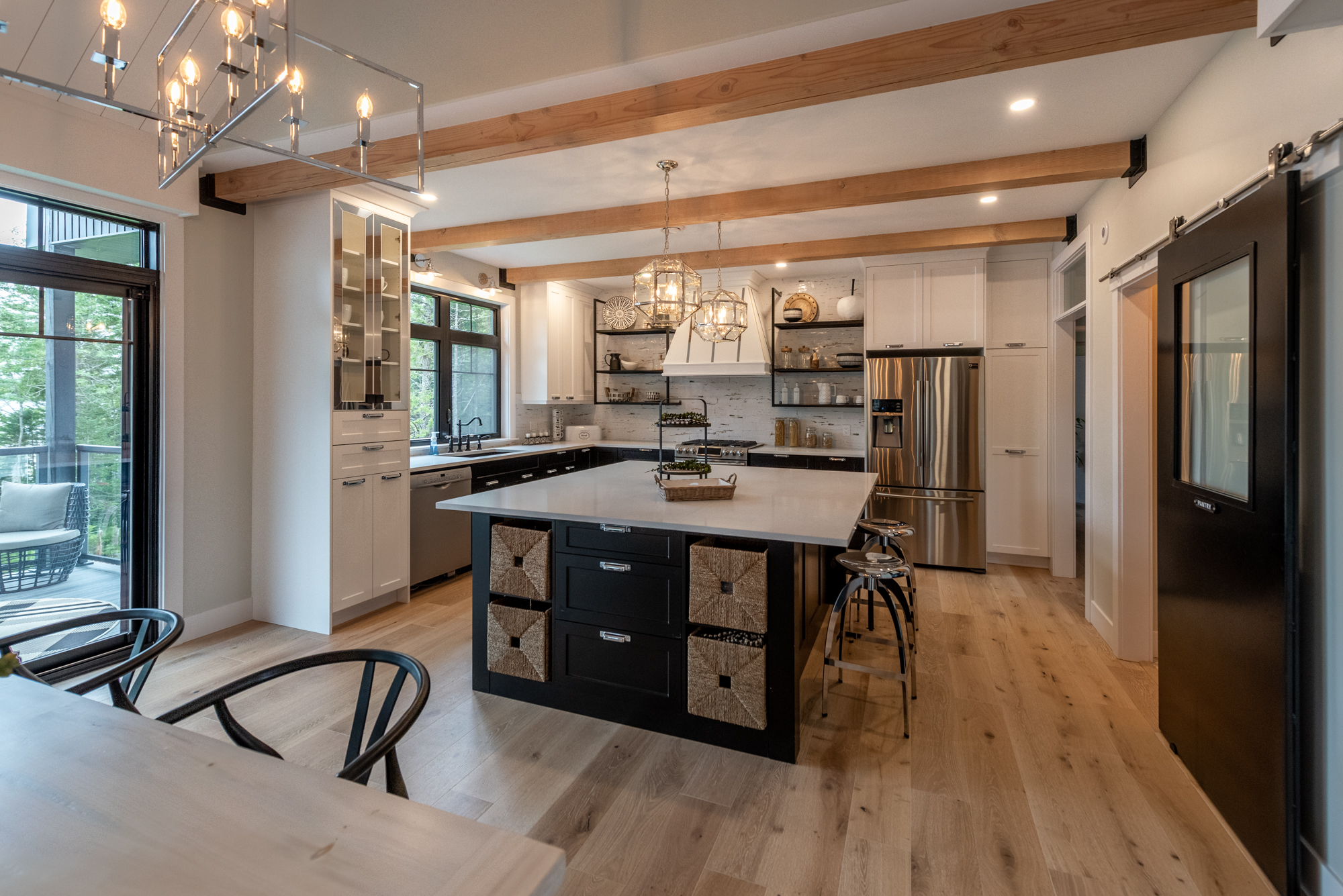 Kitchen diningDAC_7143-HDR_.jpg
