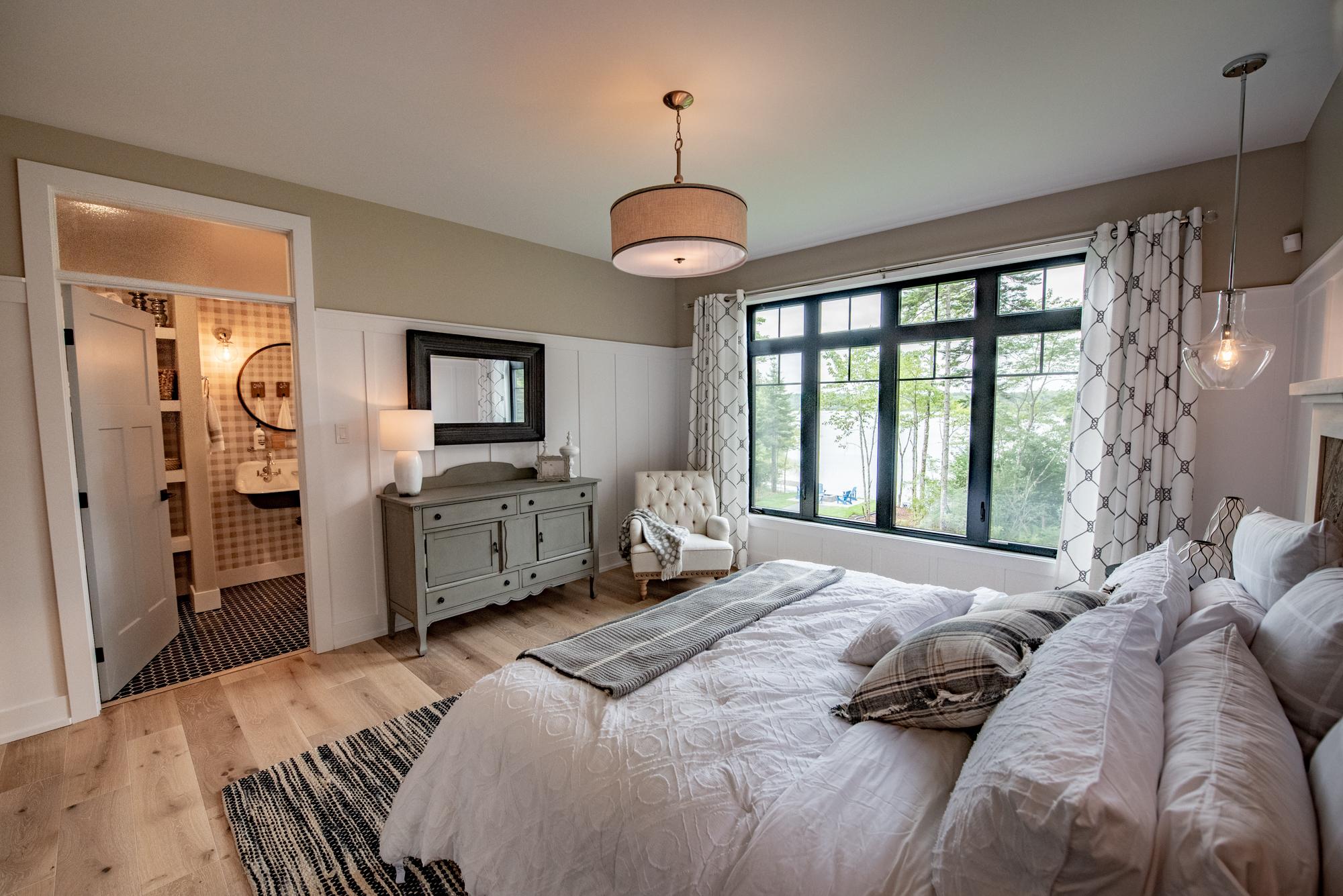 Master bedroomDAC_7104-HDR_.jpg