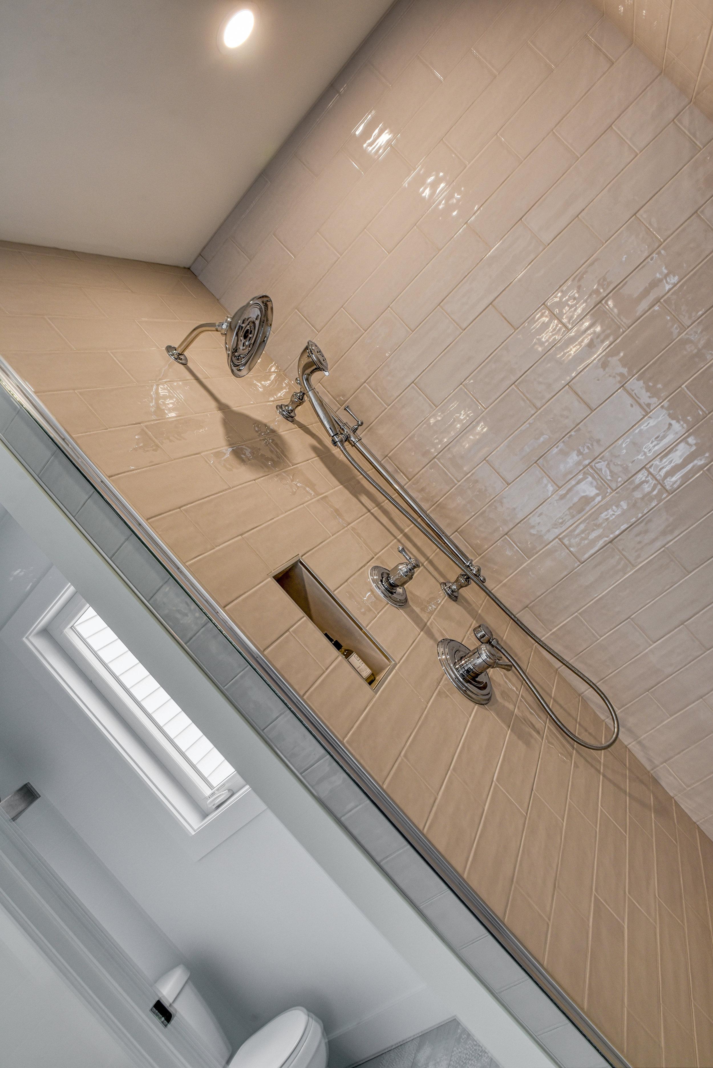 Bathroom Detail 9461.jpg