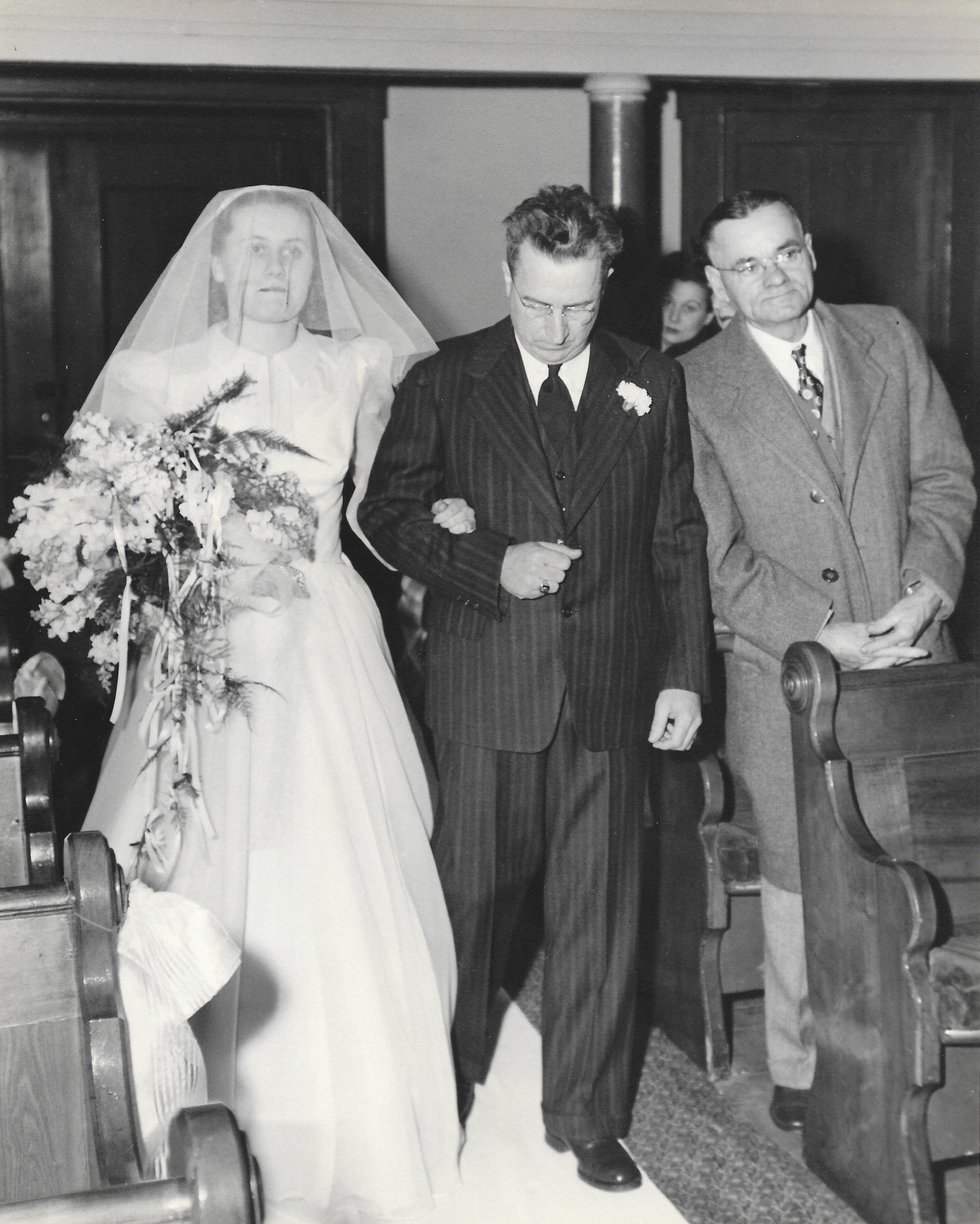 Frank Gwen Hoyt Wedding-3.jpg