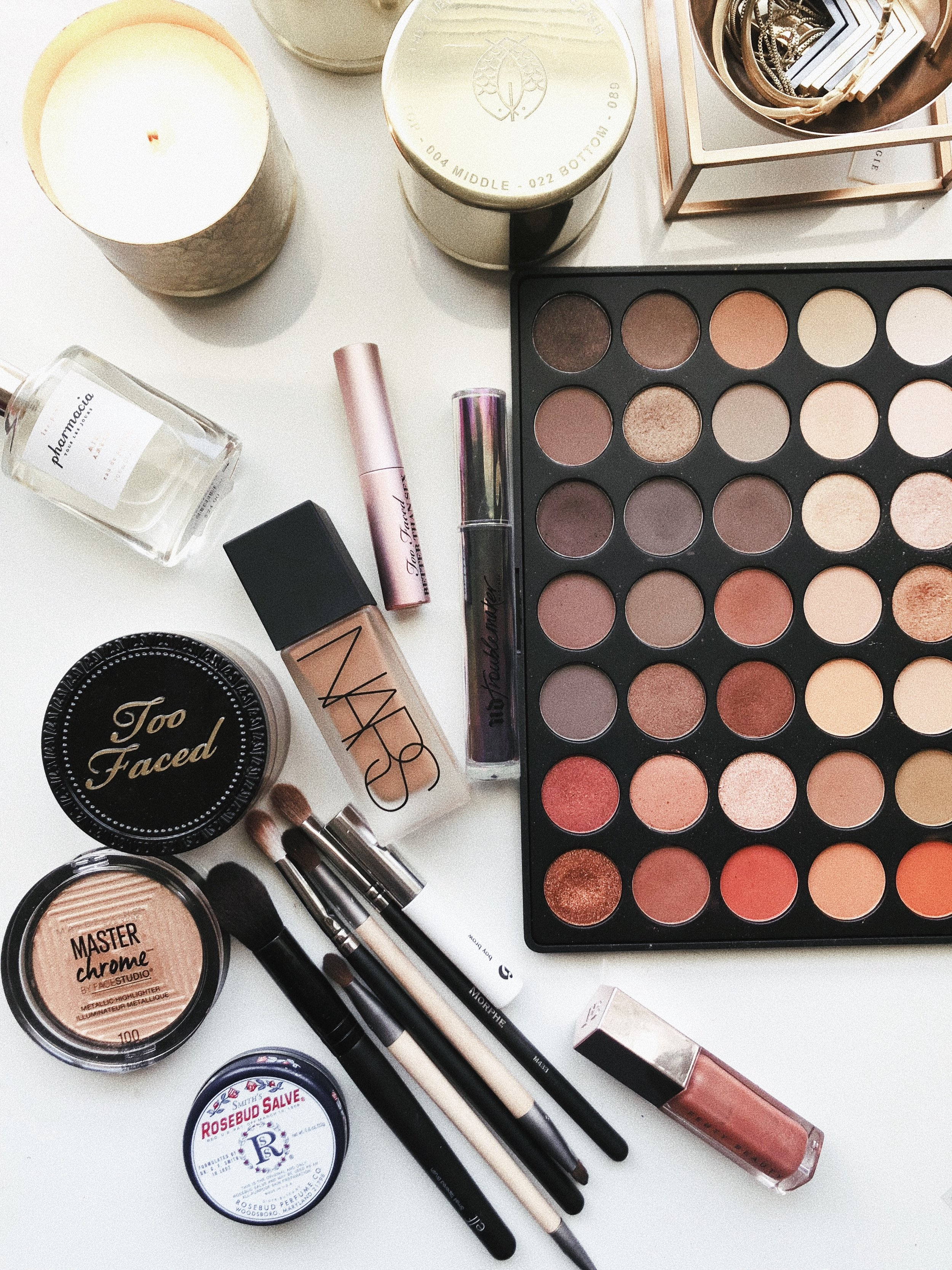 One on One Consults, Makeup Parties, and Workshops - We believe your makeup collection should be curated to suit not just you, but your lifestyle as well
