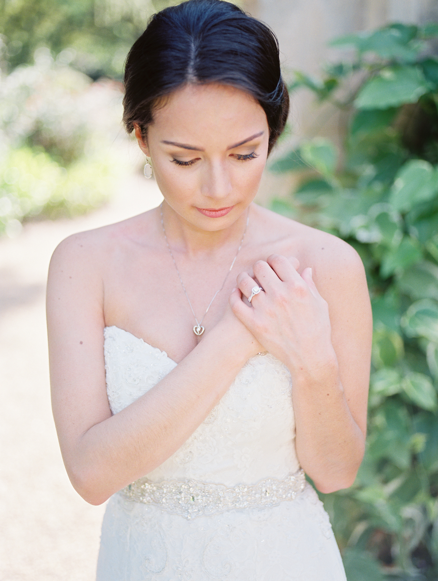 BridalPortraitsGarden.jpg