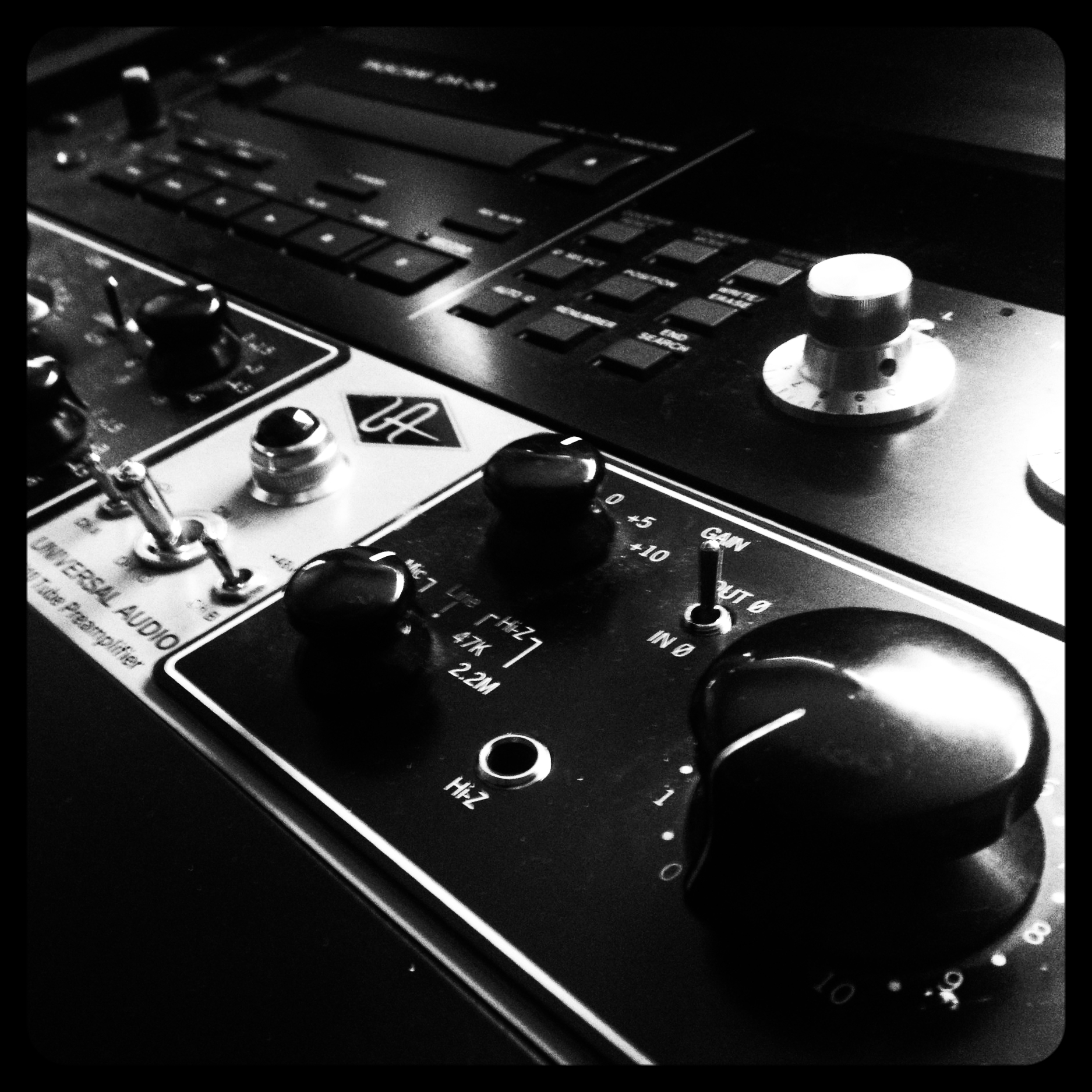 universal-audio-2-610-818361.jpg