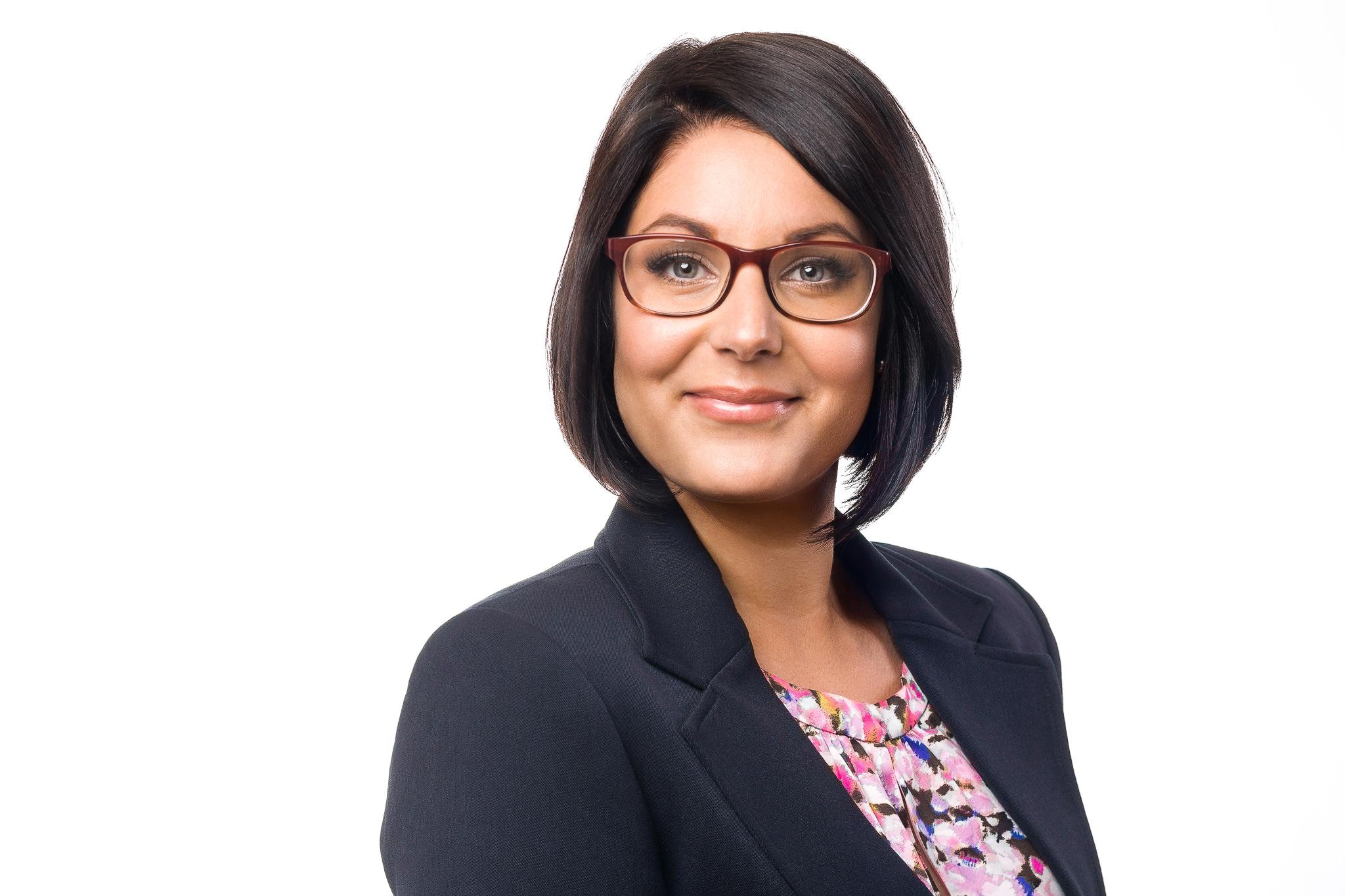 Woman's business headshot in Hamilton, Ontario.
