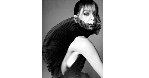 Givenchy, Vogue 03.18 002 - 1.jpg