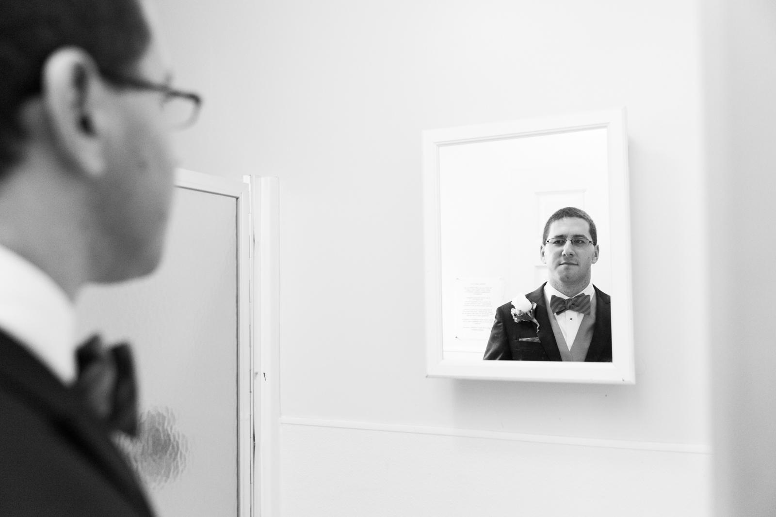 groom mirror check