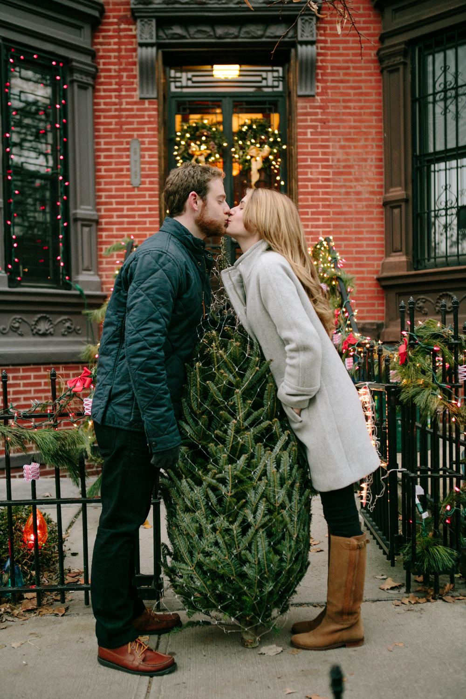17_brooklyn-winter-engagement-photos.jpg