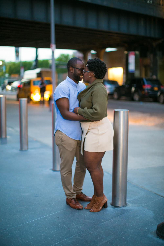 New York city Couple kissing