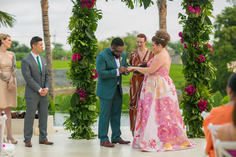 Exchanging rings during Bali wedding