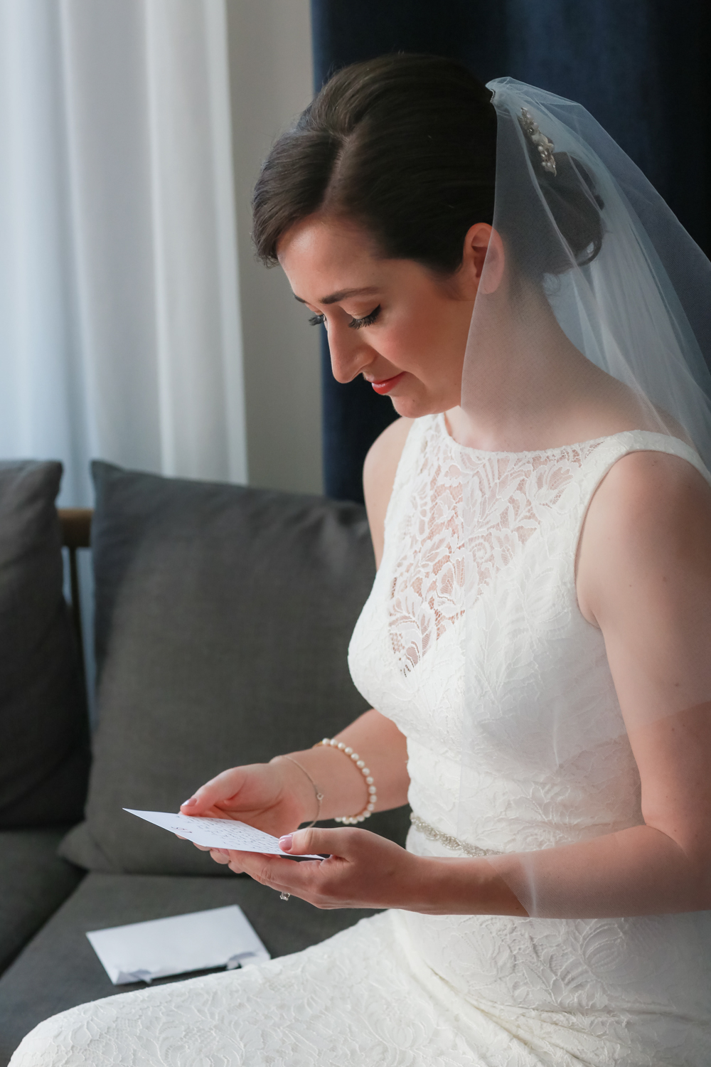 New York bride reads letter from groom