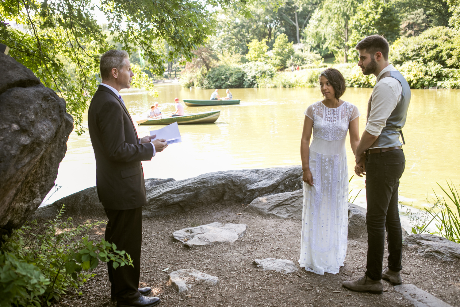 New York City bride and groom elope in Central Park.