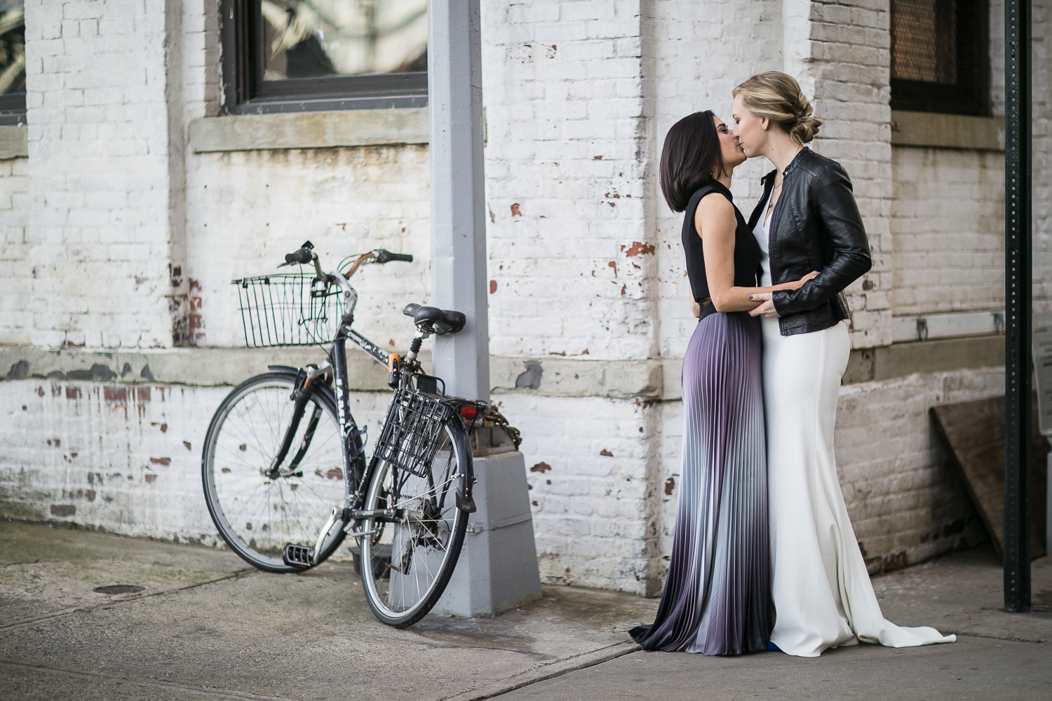 Brides kissing on their wedding day | 26 Bridge Wedding Photos | Lesbian Brooklyn Wedding | Kristin and Marisa's Wedding