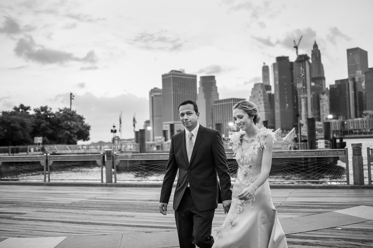 Early morning New York Anniversary Photos | Brooklyn Bridge Anniversary Session | Brooklyn Bridge Wedding Photos
