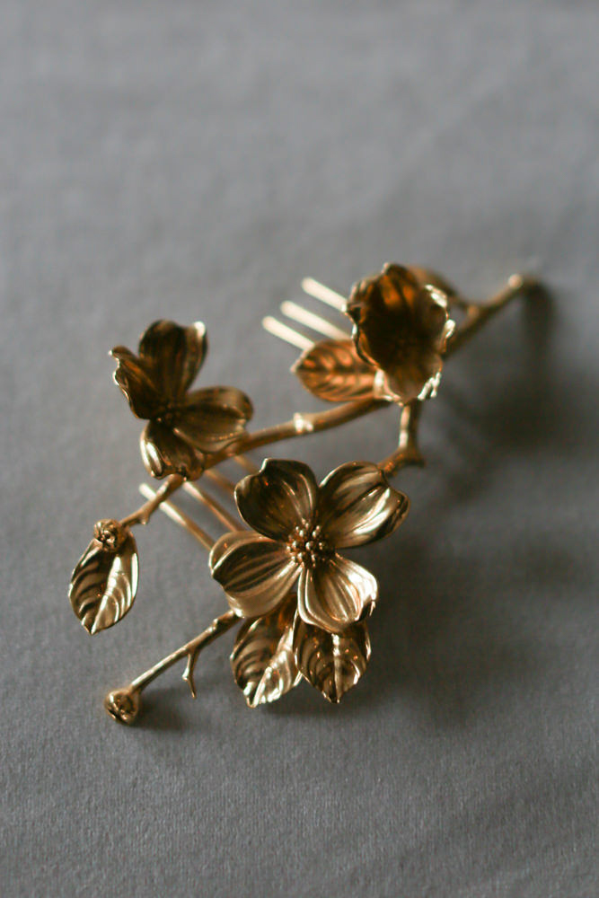 Gold floral wedding hair comb from Collected Edition - NoMad Hotel Wedding in New York City