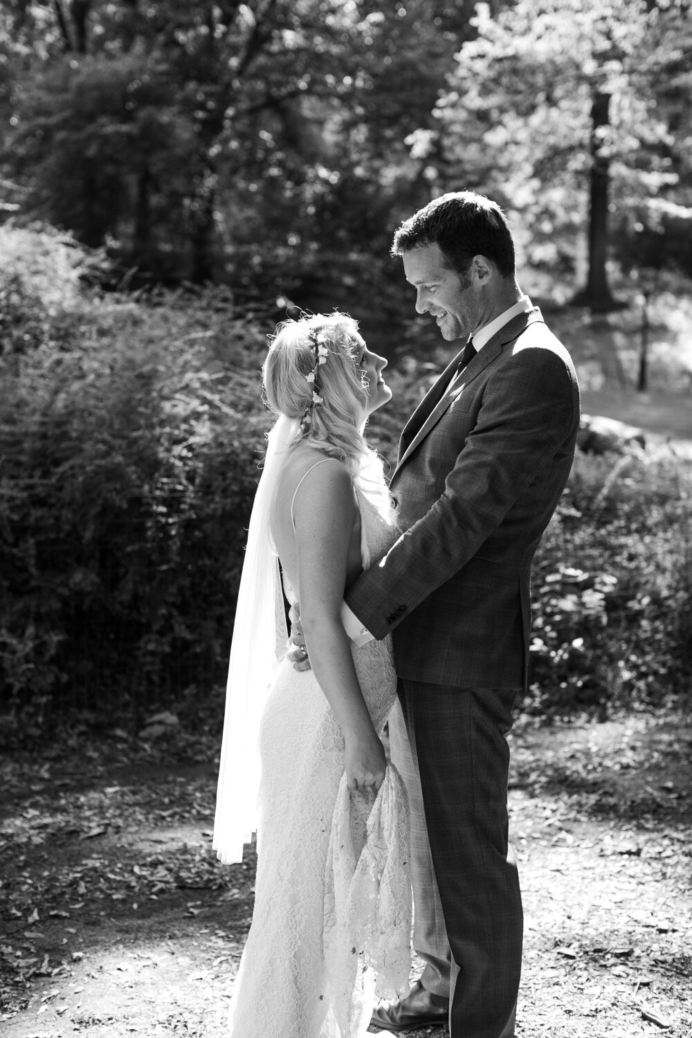 Black and white photos in Central Park at a wedding