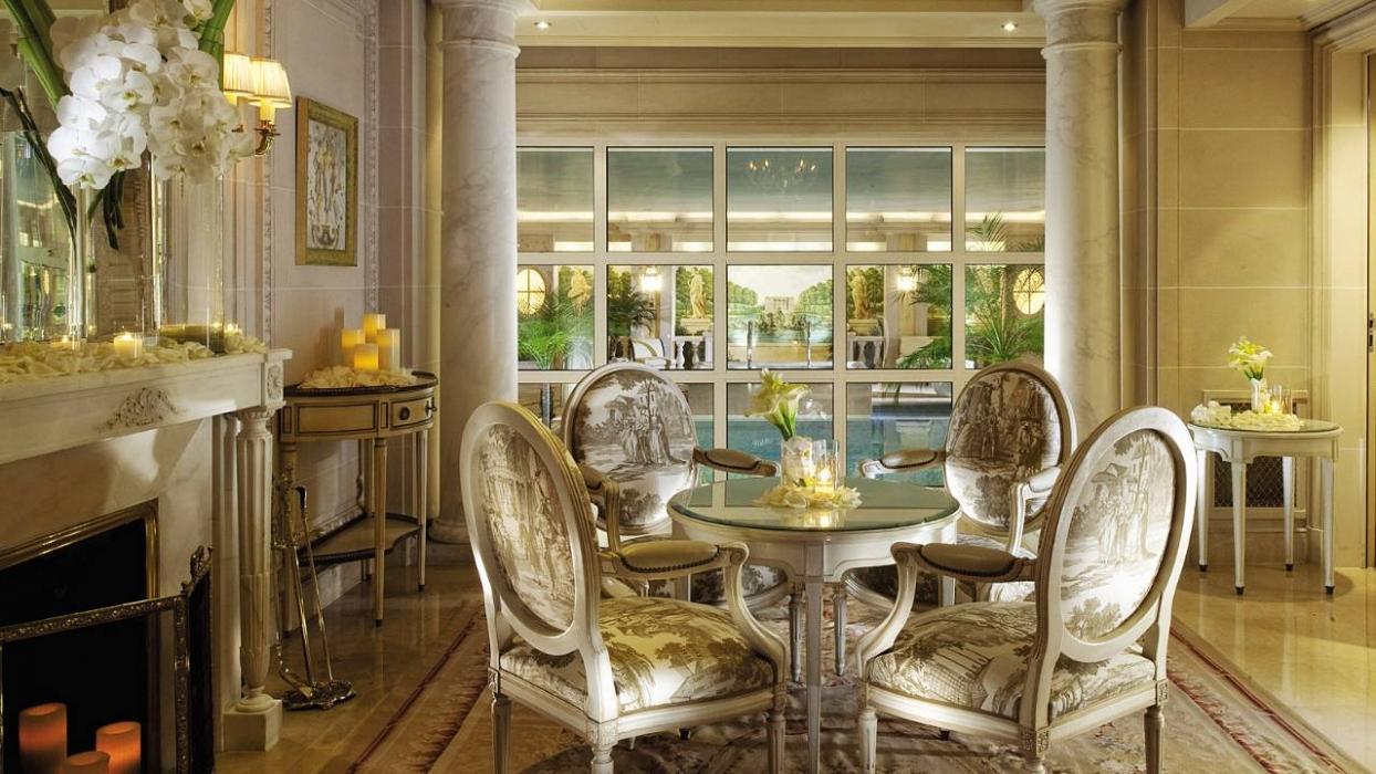 paris-four-seasons-hotel-george-v-paris-4.jpeg