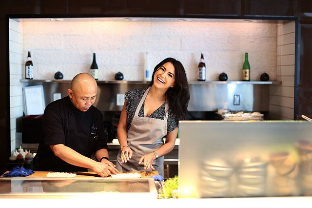 Had so much fun learning how to make sushi at Blade @fontainebleau with the master @benny_blade He taught me proper sushi making techniques but the best part was eating it all afterwards 🙂🍣 Classes are available for booking every Saturday until September #fontainebleau #sushiclass #dinebleau #hotinthekitchen