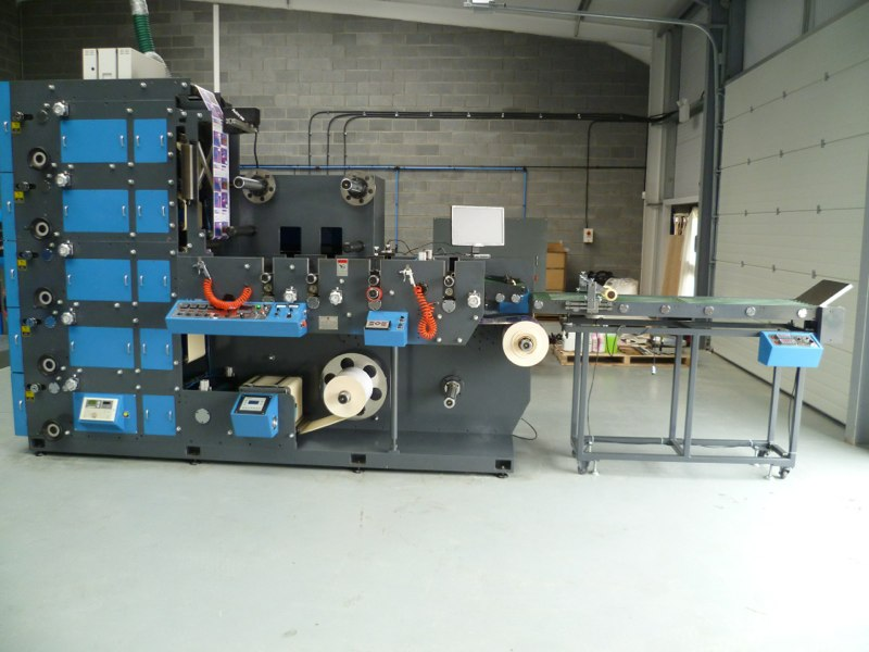 Apollo 330 Z-5 Sheeting Table with 2 Product Rewinds