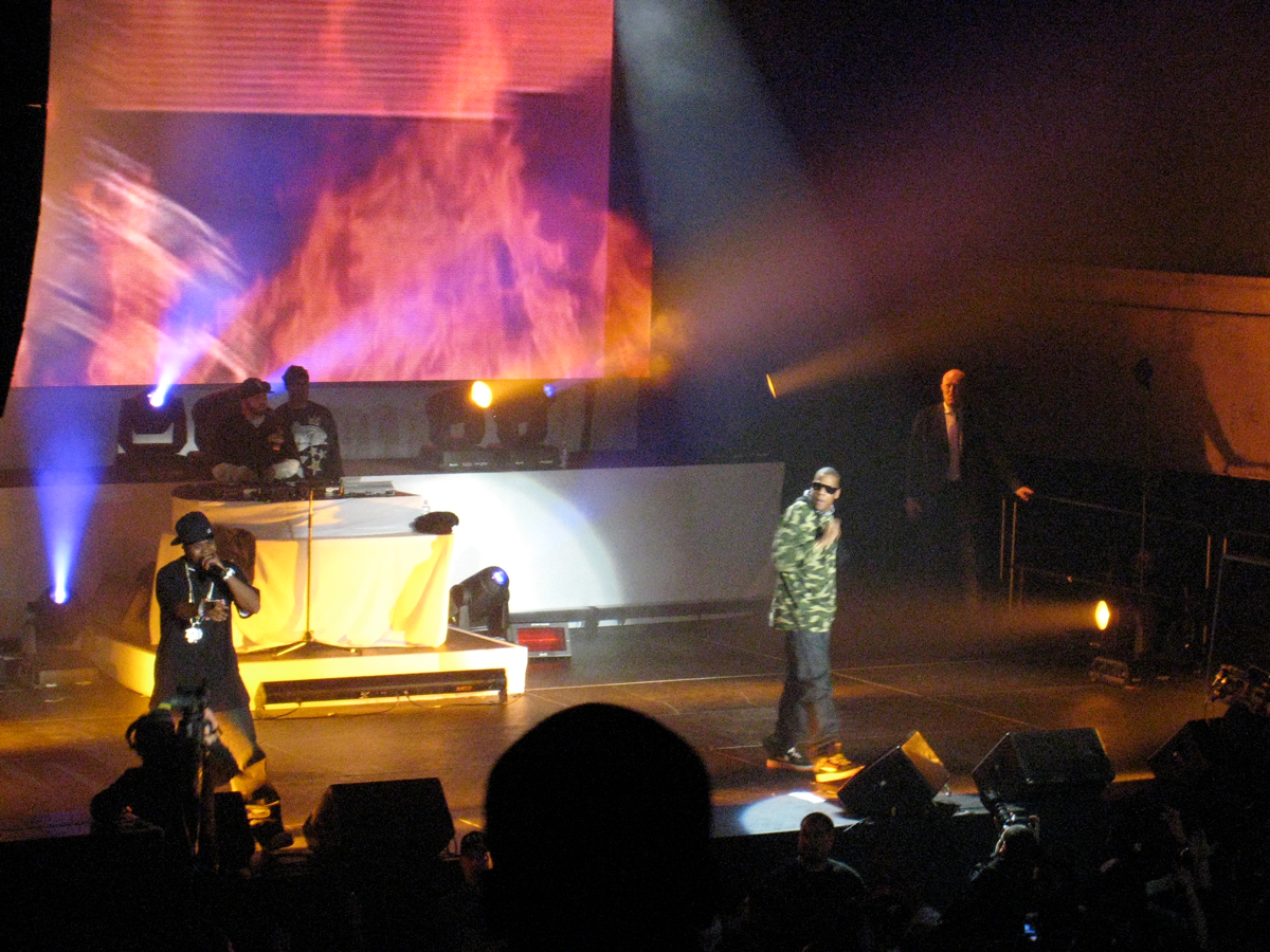 Jay-Z_Stage_web.png