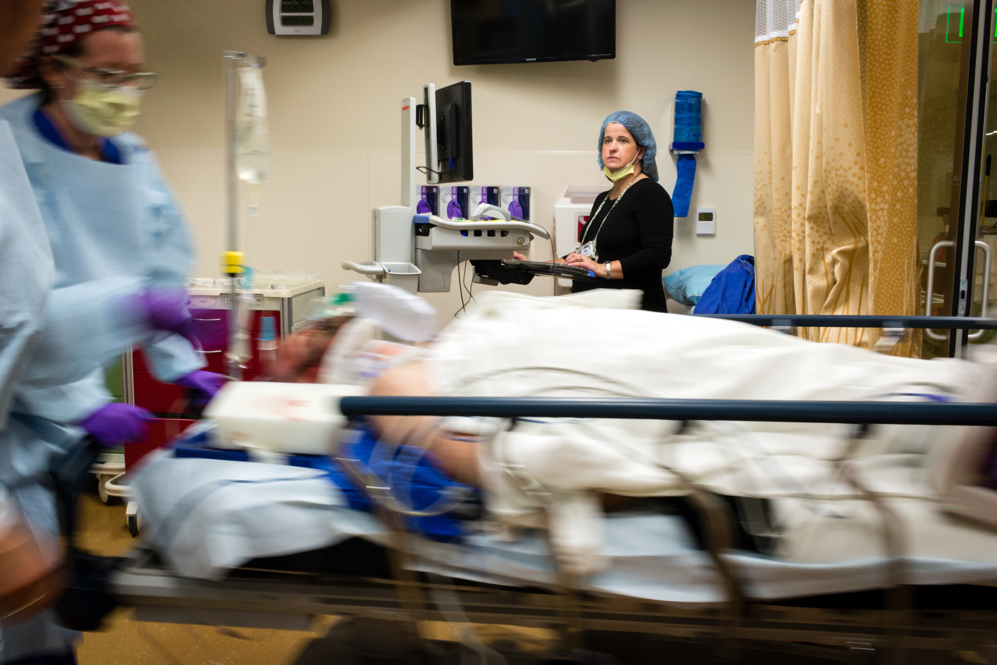 "Most hospital nurses work a specific territory: one unit in the facility, one slot in a sprawling hierarchy of caregivers. Not Jennifer Parker. The 40-year-old Legacy Emanuel nurse describes her job as ""putting out fires wherever they happen."" She's one of the hospital's handful of trauma and critical care response nurses, a position Emanuel developed to keep its operation afloat through sometimes-crazy evenings and nights."