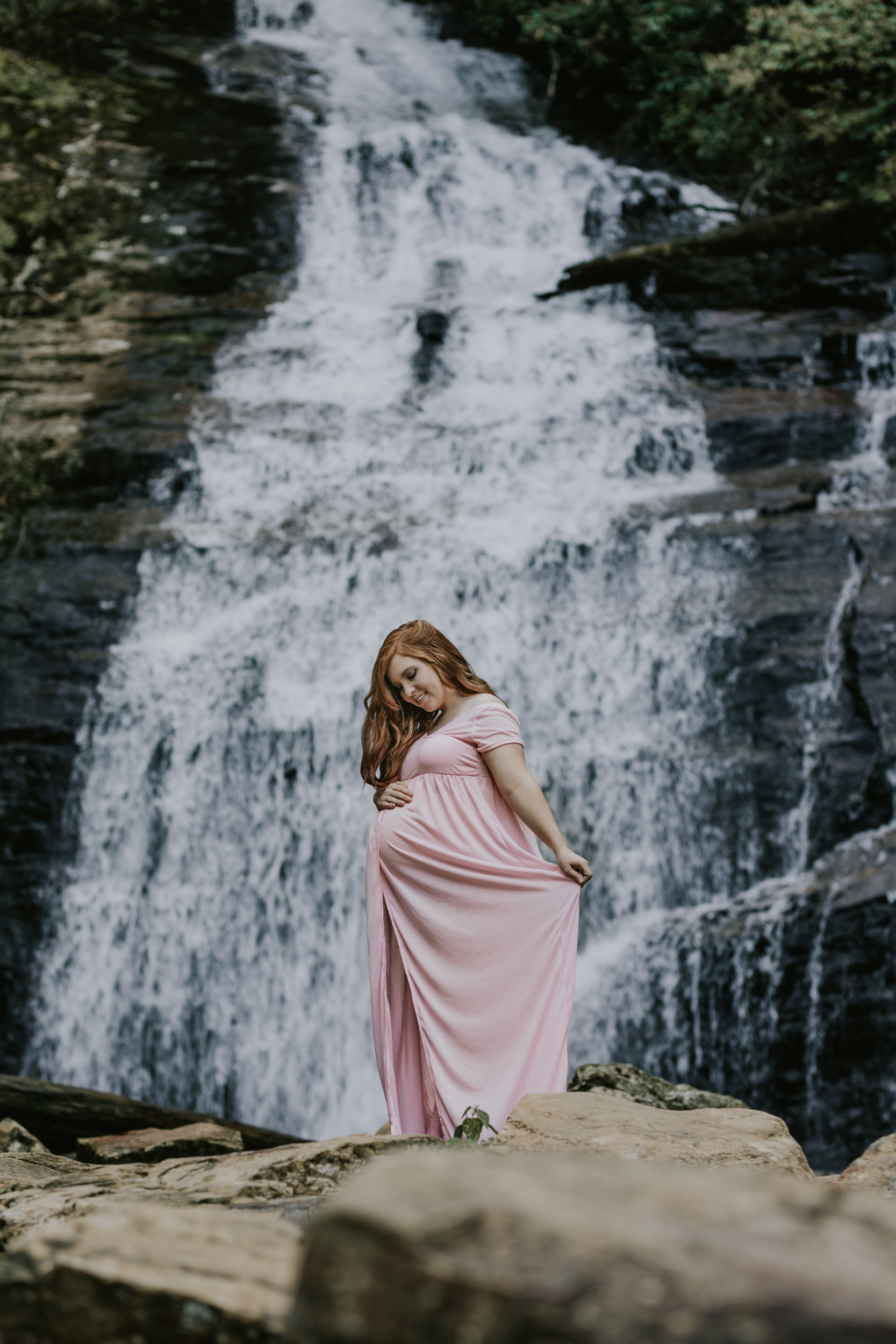 Georgia-Waterfall-Outdoor-Maternity-Lifestyle-Photographer-2.jpg