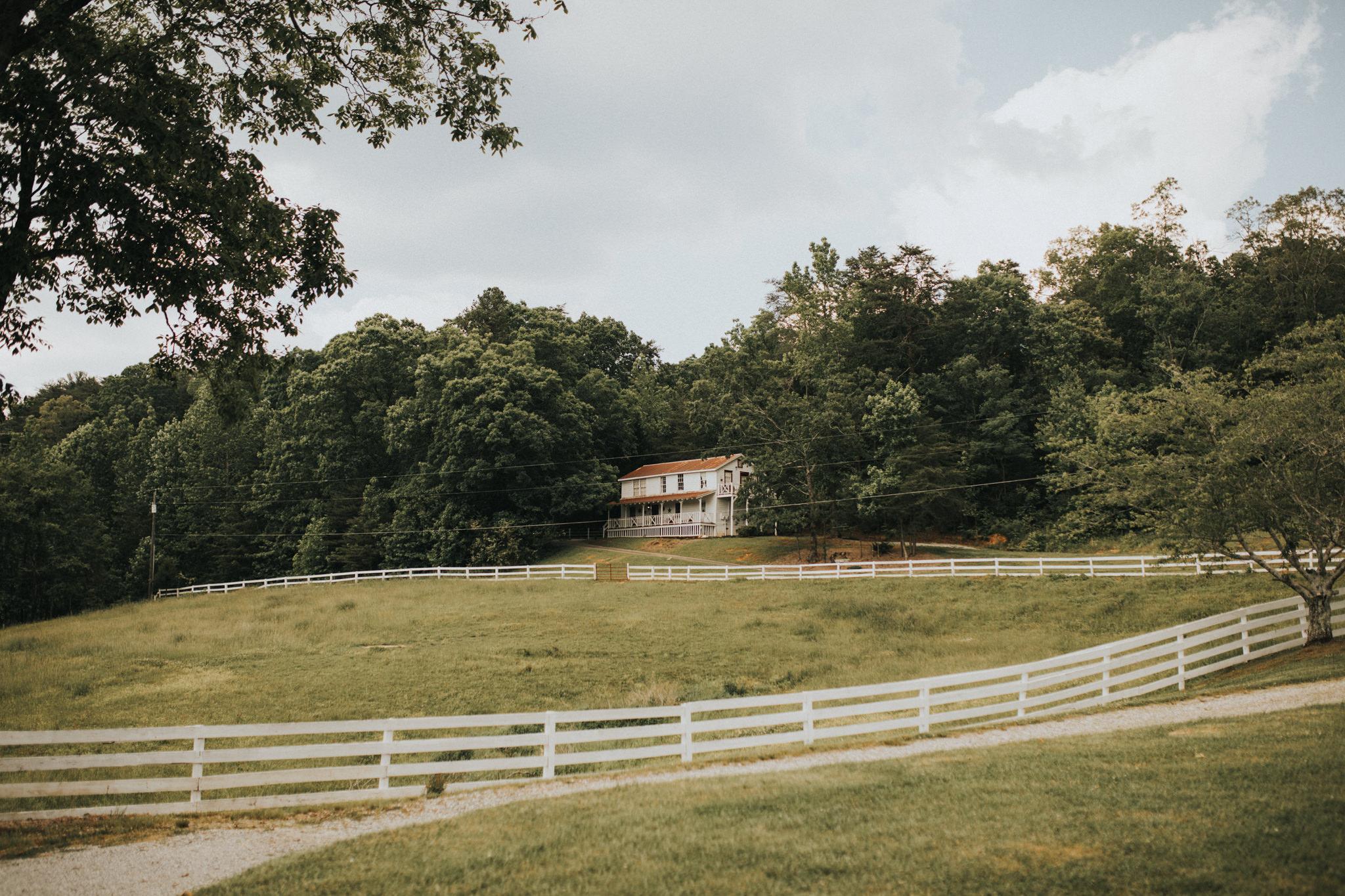 KateMatt-North-Georgia-Wedding-Photographer-Mountain-Laurel-Farm-77.jpg