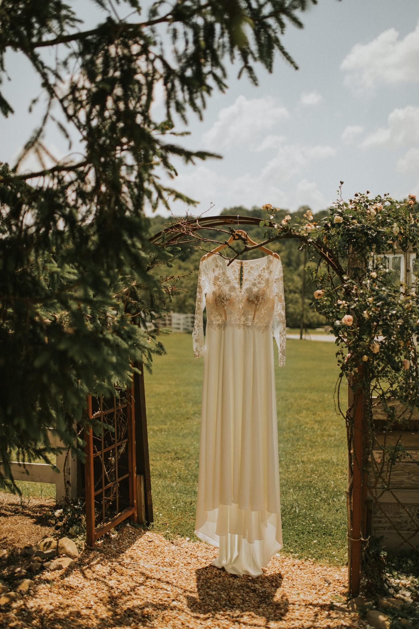 KateMatt-North-Georgia-Wedding-Photographer-Mountain-Laurel-Farm-23.jpg