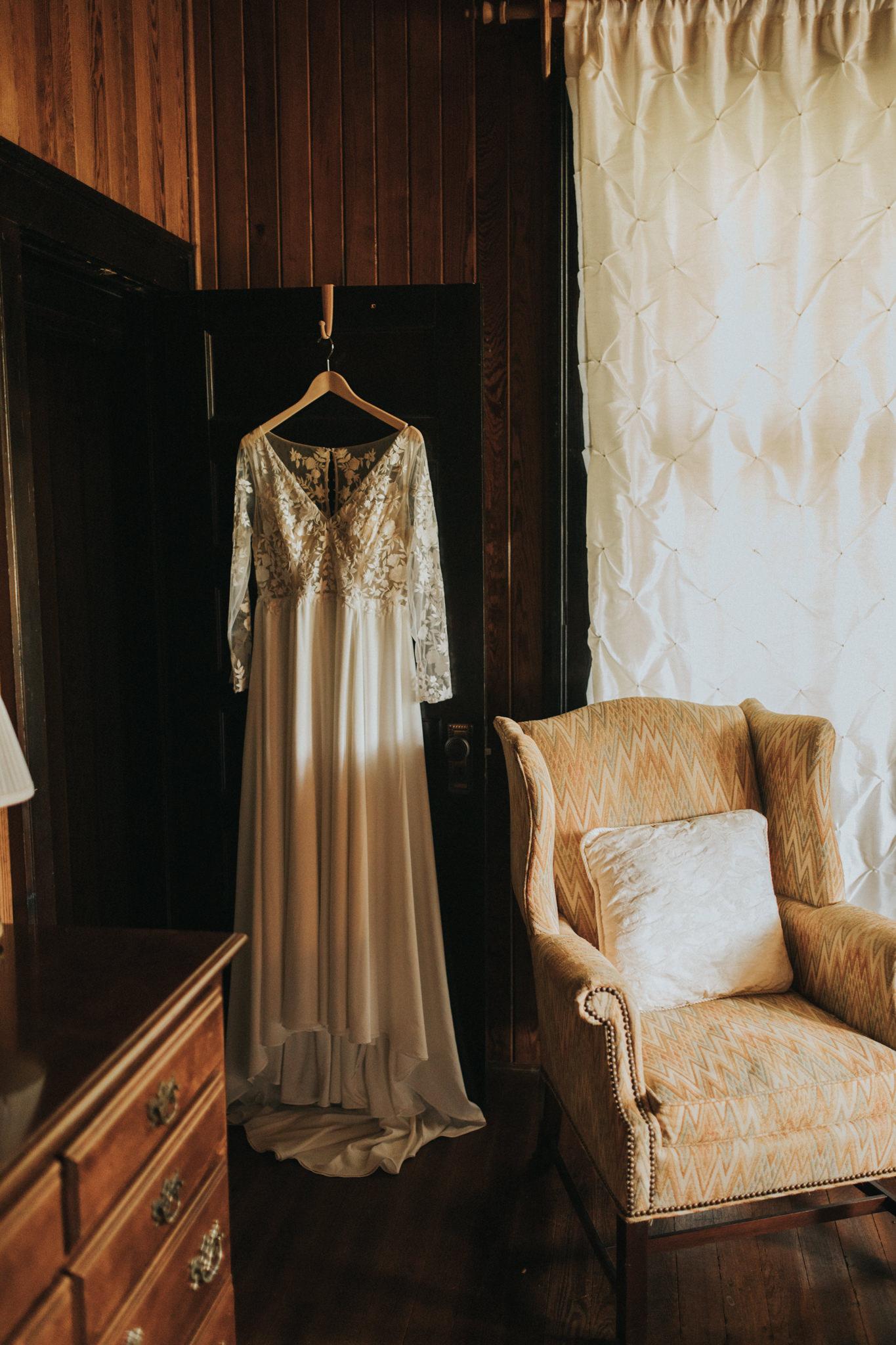KateMatt-North-Georgia-Wedding-Photographer-Mountain-Laurel-Farm-26.jpg