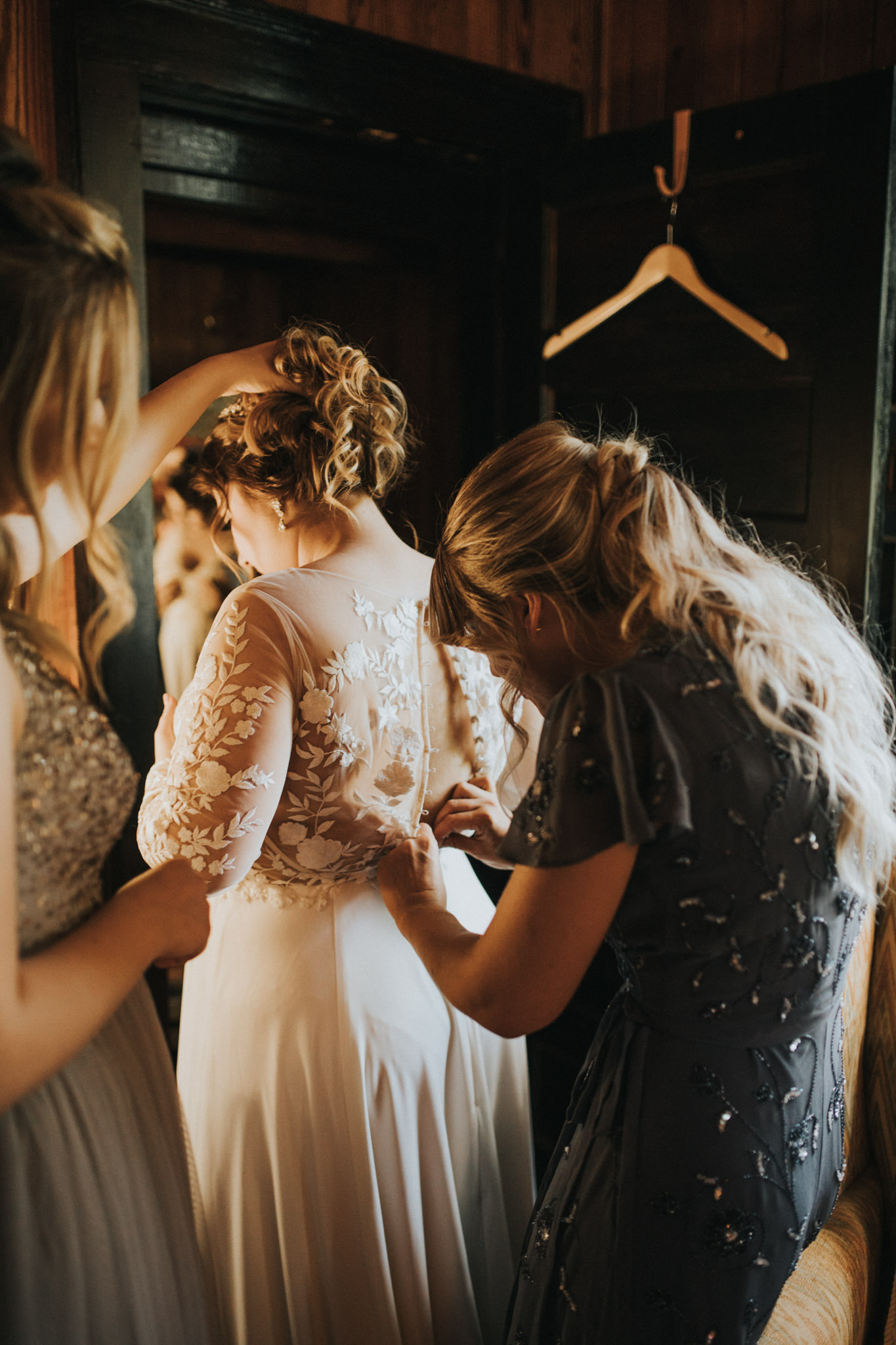 KateMatt-North-Georgia-Wedding-Photographer-Mountain-Laurel-Farm-32.jpg