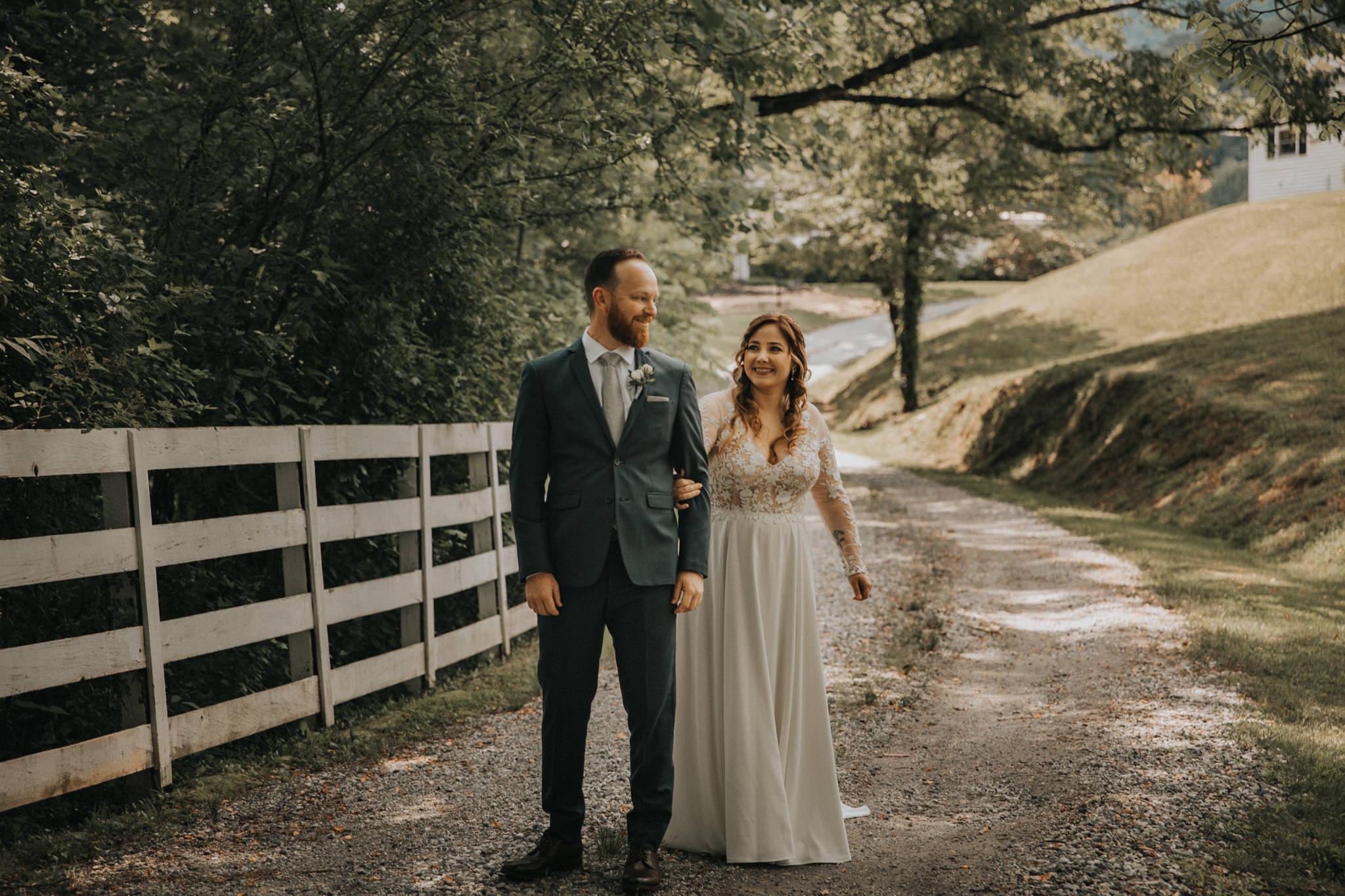 KateMatt-North-Georgia-Wedding-Photographer-Mountain-Laurel-Farm-42.jpg