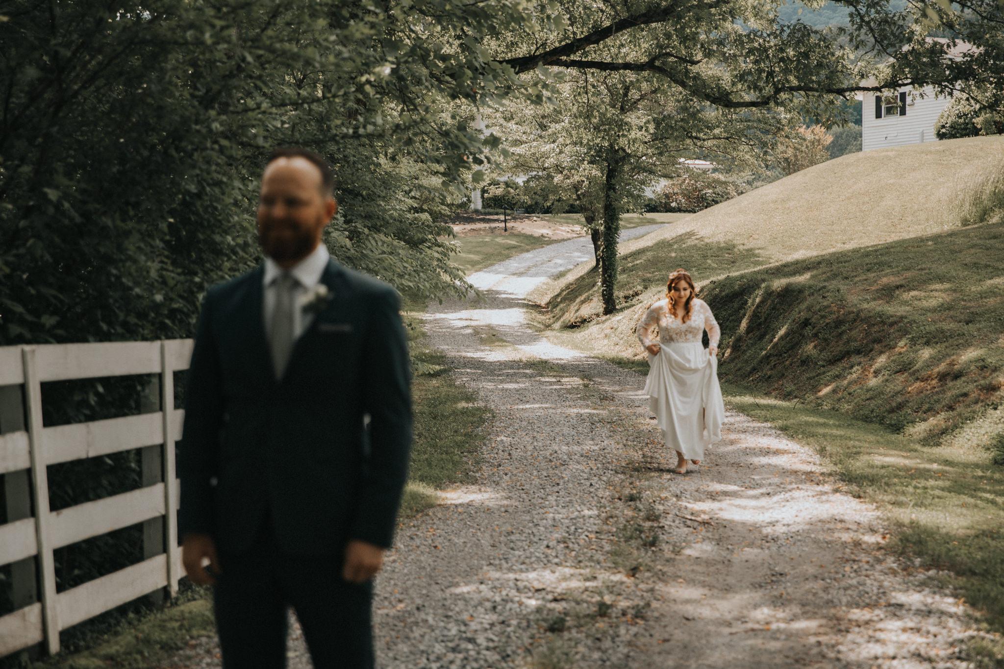 KateMatt-North-Georgia-Wedding-Photographer-Mountain-Laurel-Farm-41.jpg