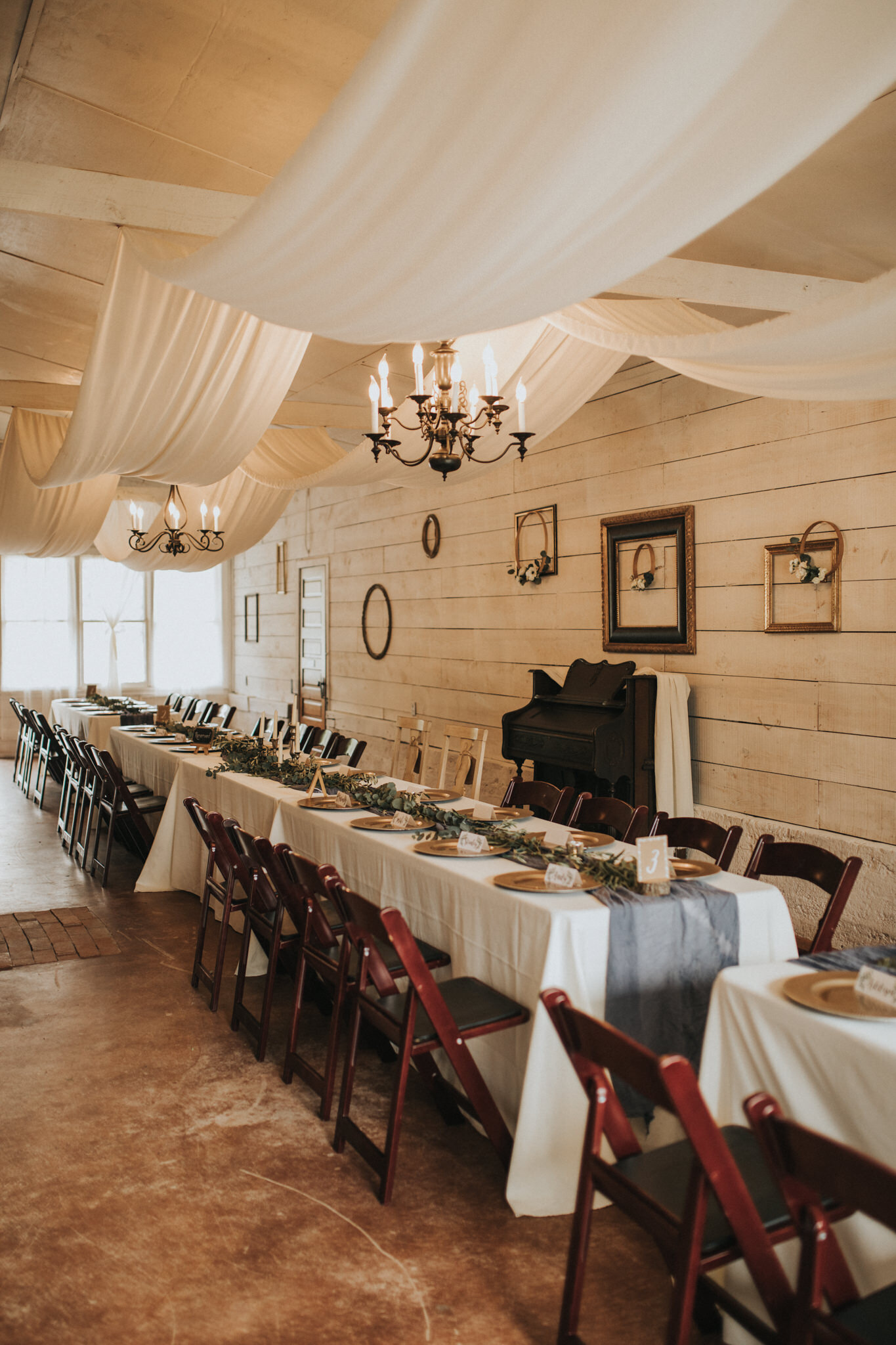 KateMatt-North-Georgia-Wedding-Photographer-Mountain-Laurel-Farm-81.jpg
