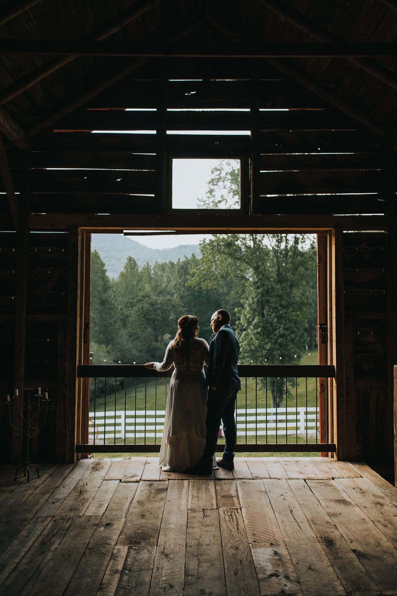 KateMatt-North-Georgia-Wedding-Photographer-Mountain-Laurel-Farm-119.jpg